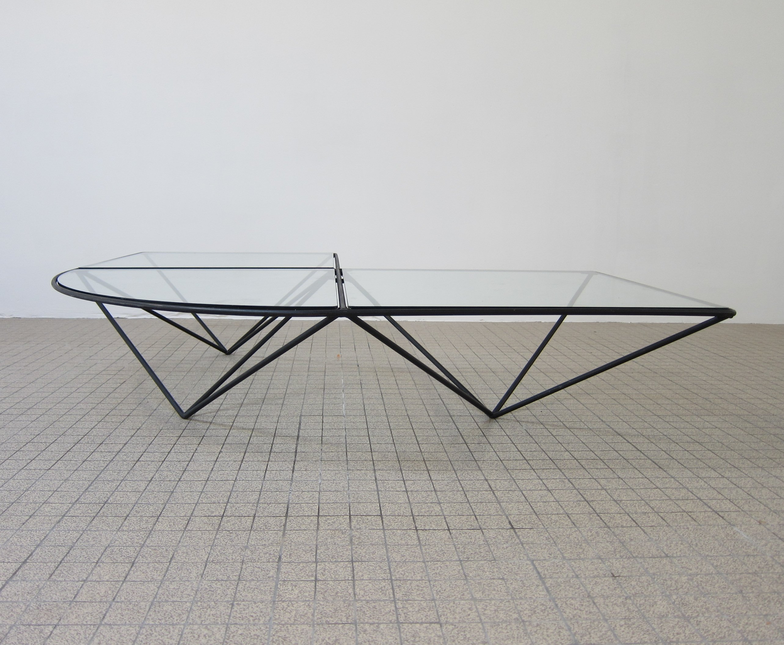 Wire Frame Coffee Table.Vintage Metal Wire Frame Coffeetable 1970s 66555