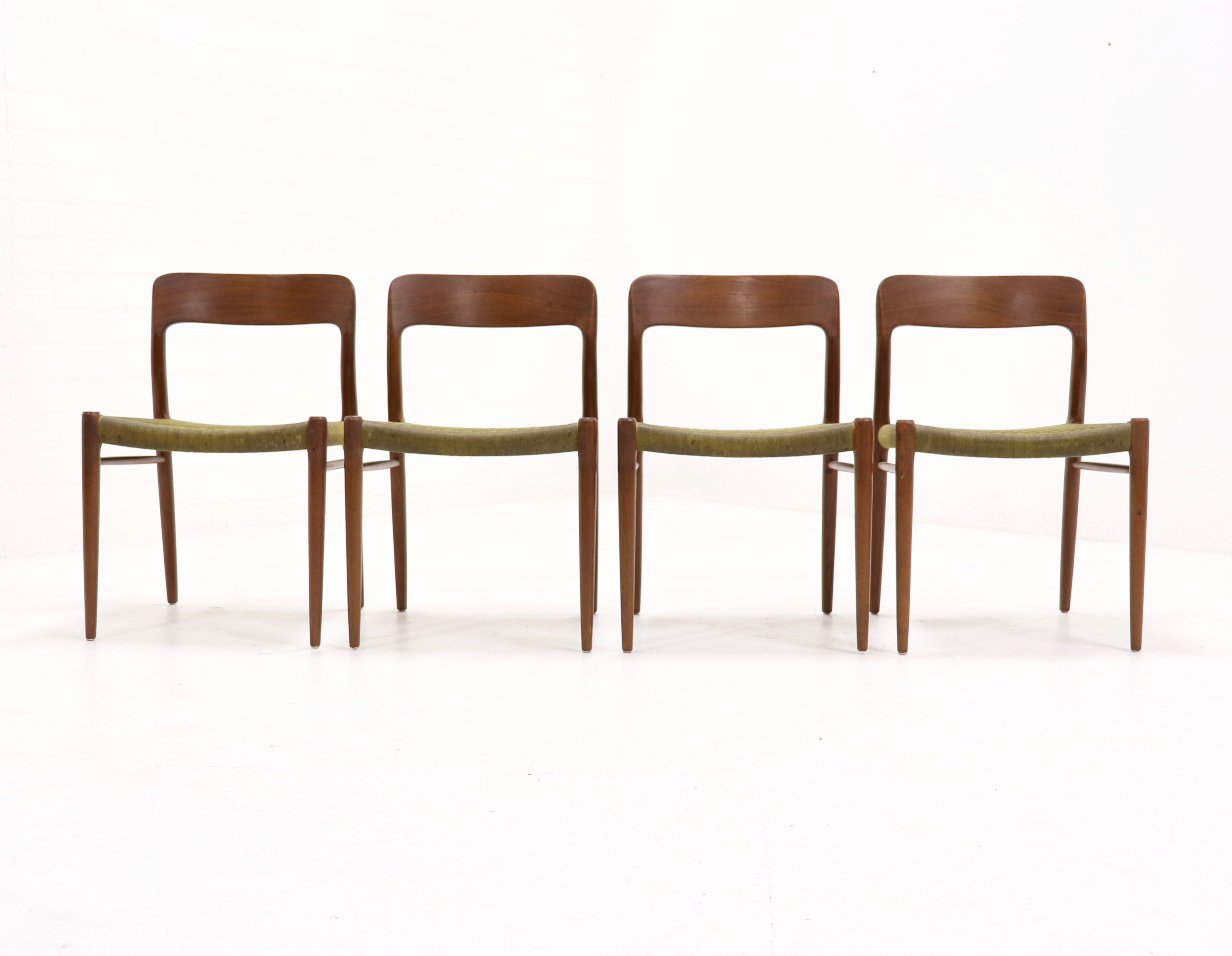 Set of 4 teak no 75 dining chairs by n o møller 1960s