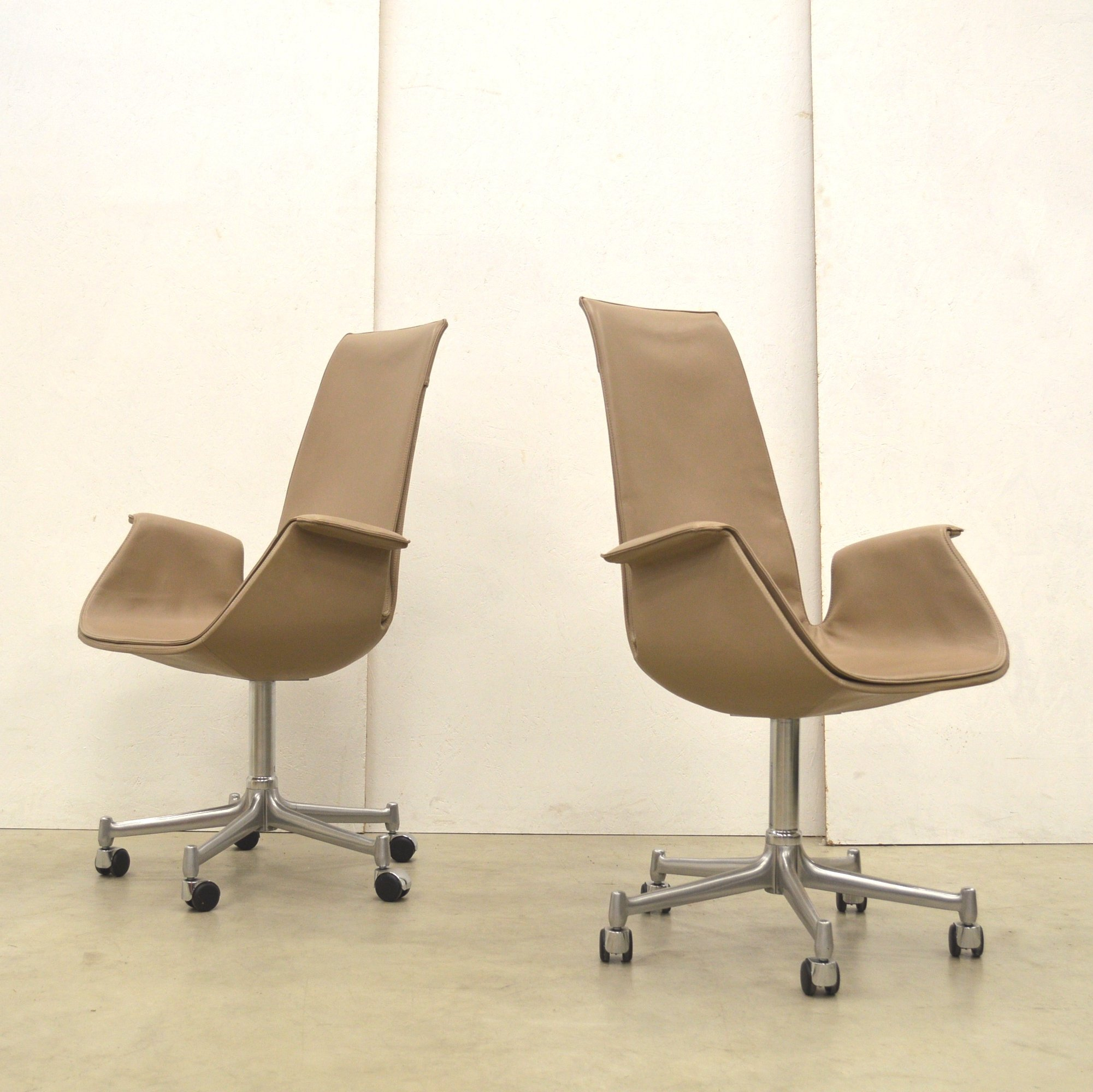 2 x fk6725 tulip office chair by jørgen kastholm preben fabricius for walter knoll 1980s 89198