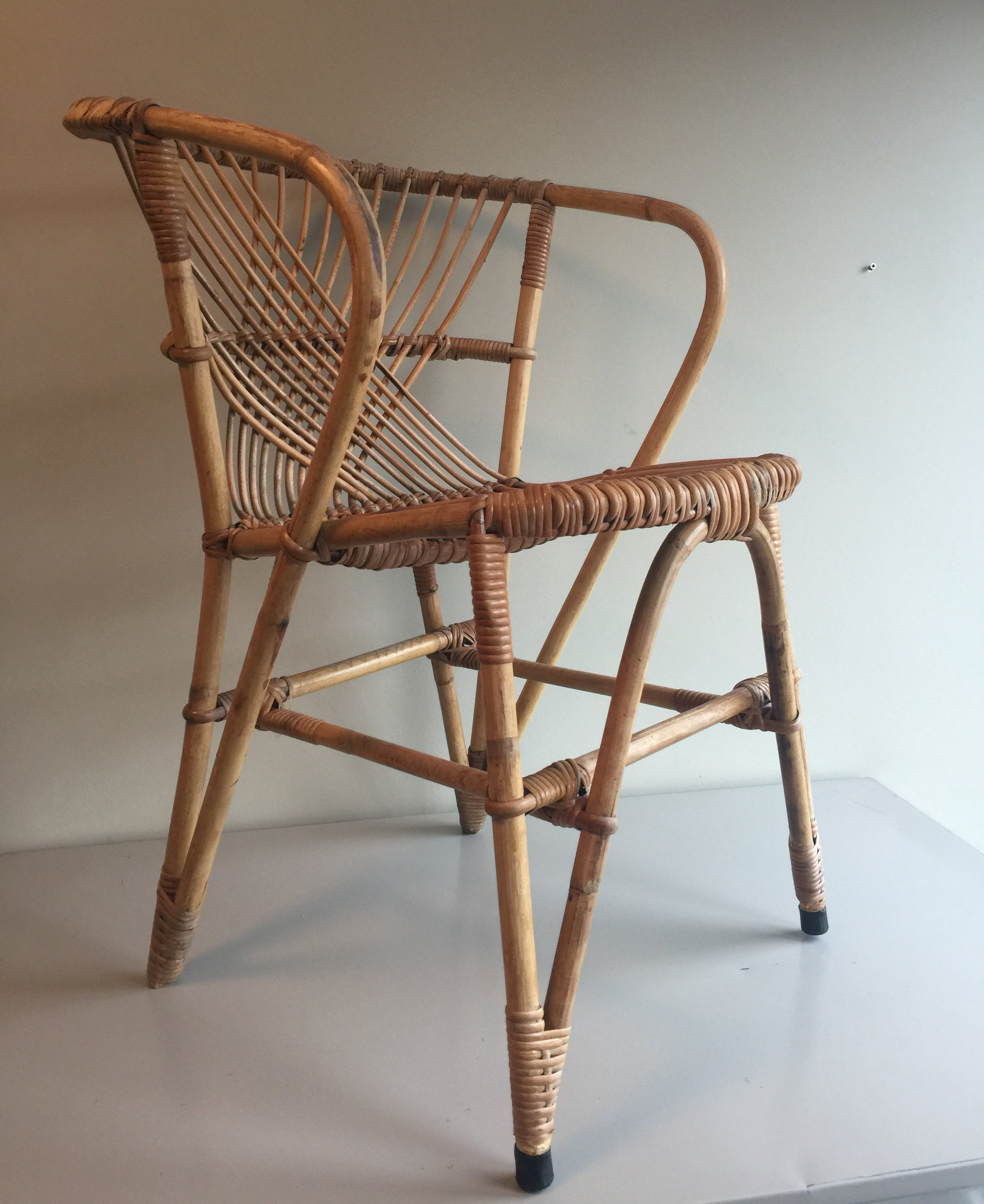 Picture of: Mid Century Rohe Rattan Lounge Chair 89744