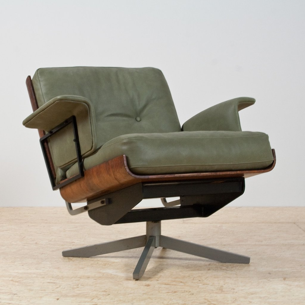 Mid Century Modern Swivel Lounge Chair In Green Leather Rosewood 1950s 91047
