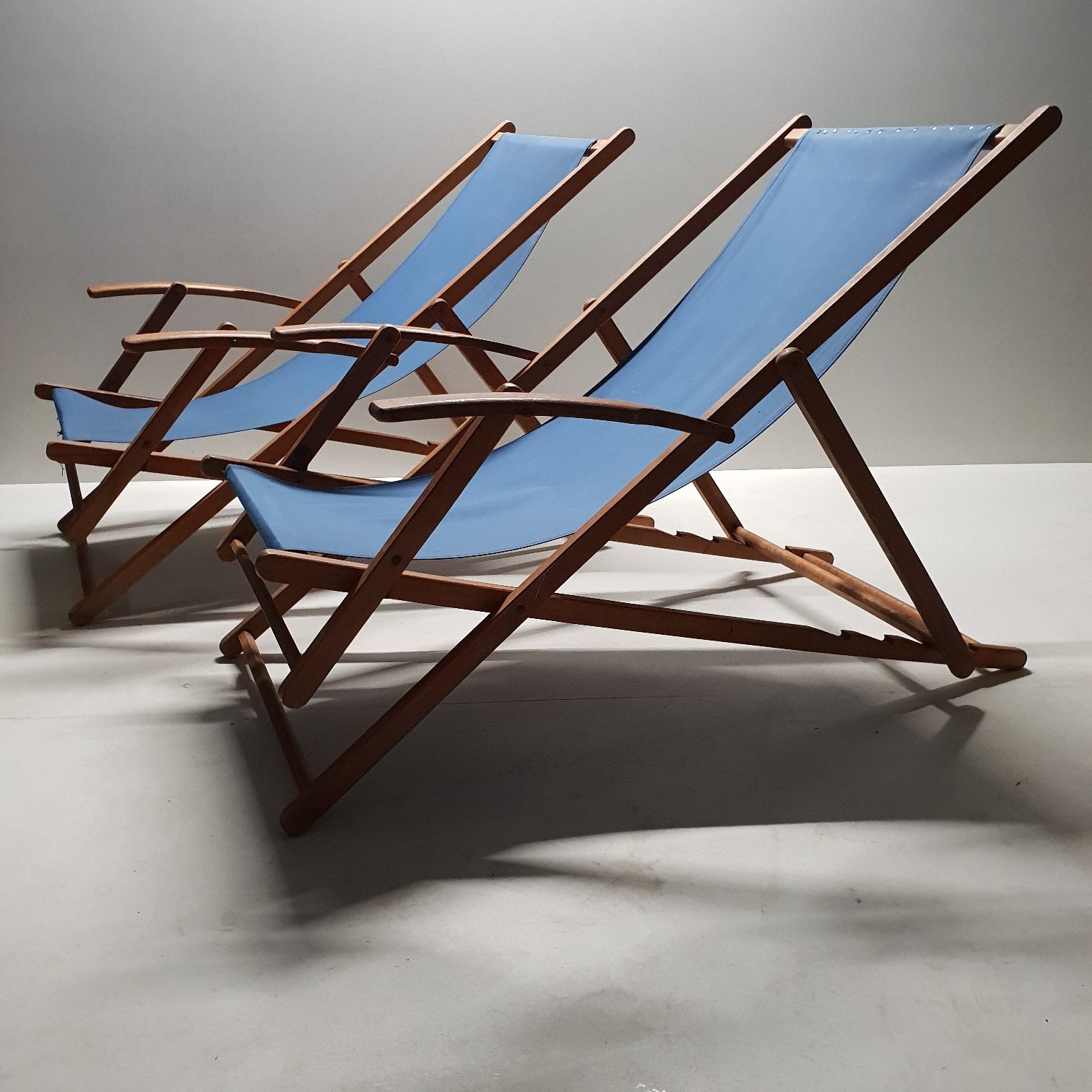 Amazing Pair Wooden Folding Beach Chairs With Canvas Upholstery 92436 Beatyapartments Chair Design Images Beatyapartmentscom