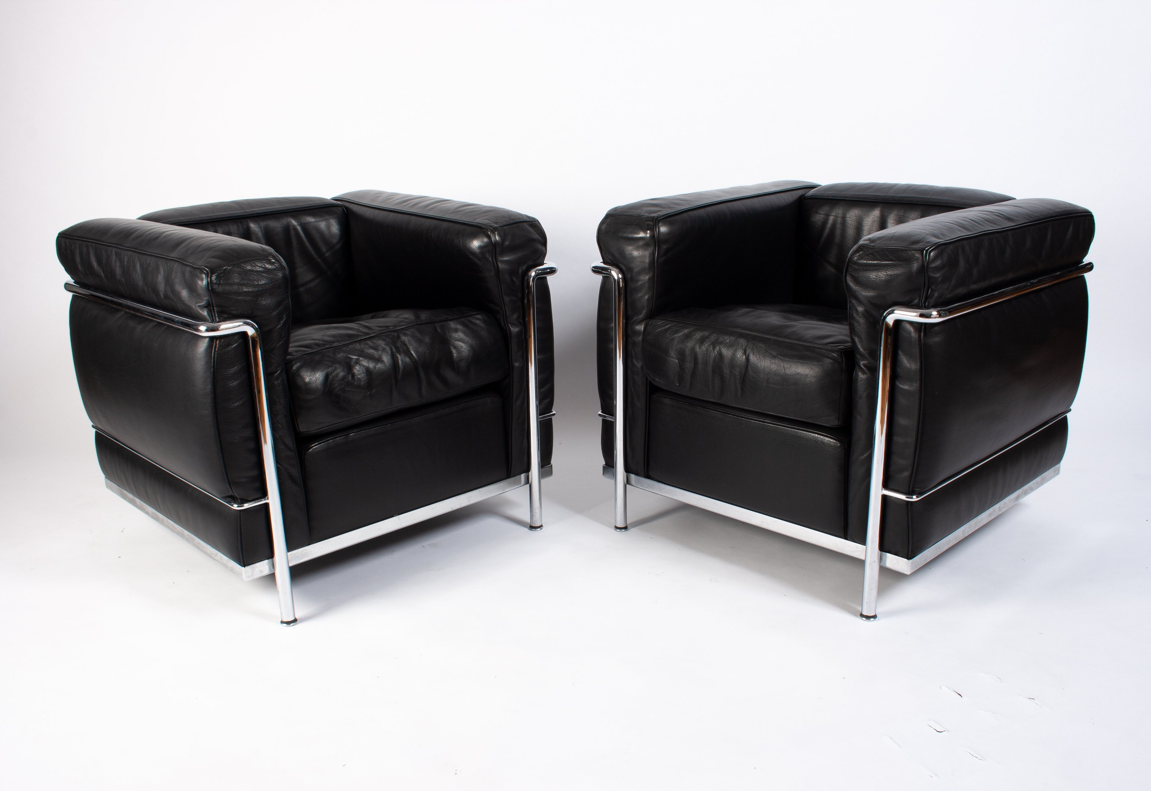 Wondrous Pair Of Black Leather Chrome Lc2 Lounge Chairs By Le Theyellowbook Wood Chair Design Ideas Theyellowbookinfo