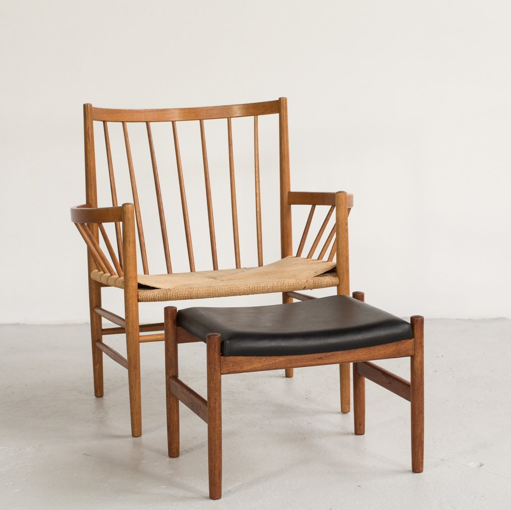 Picture of: Circle Chair J82 By Jorgen Baekmark For Fdb With Ottoman 93175