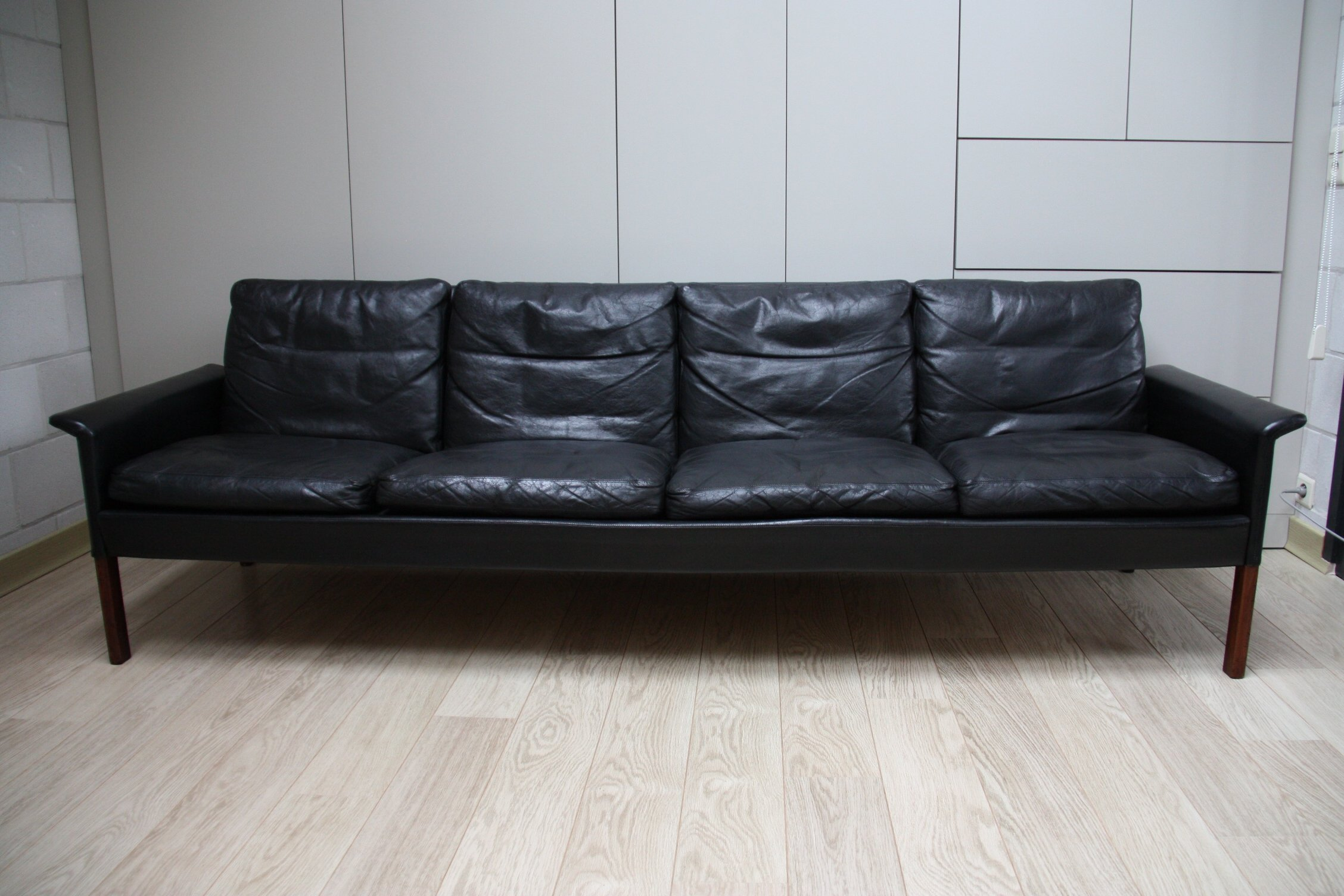 Hans Olsen 4-seater sofa in black leather & rosewood ...