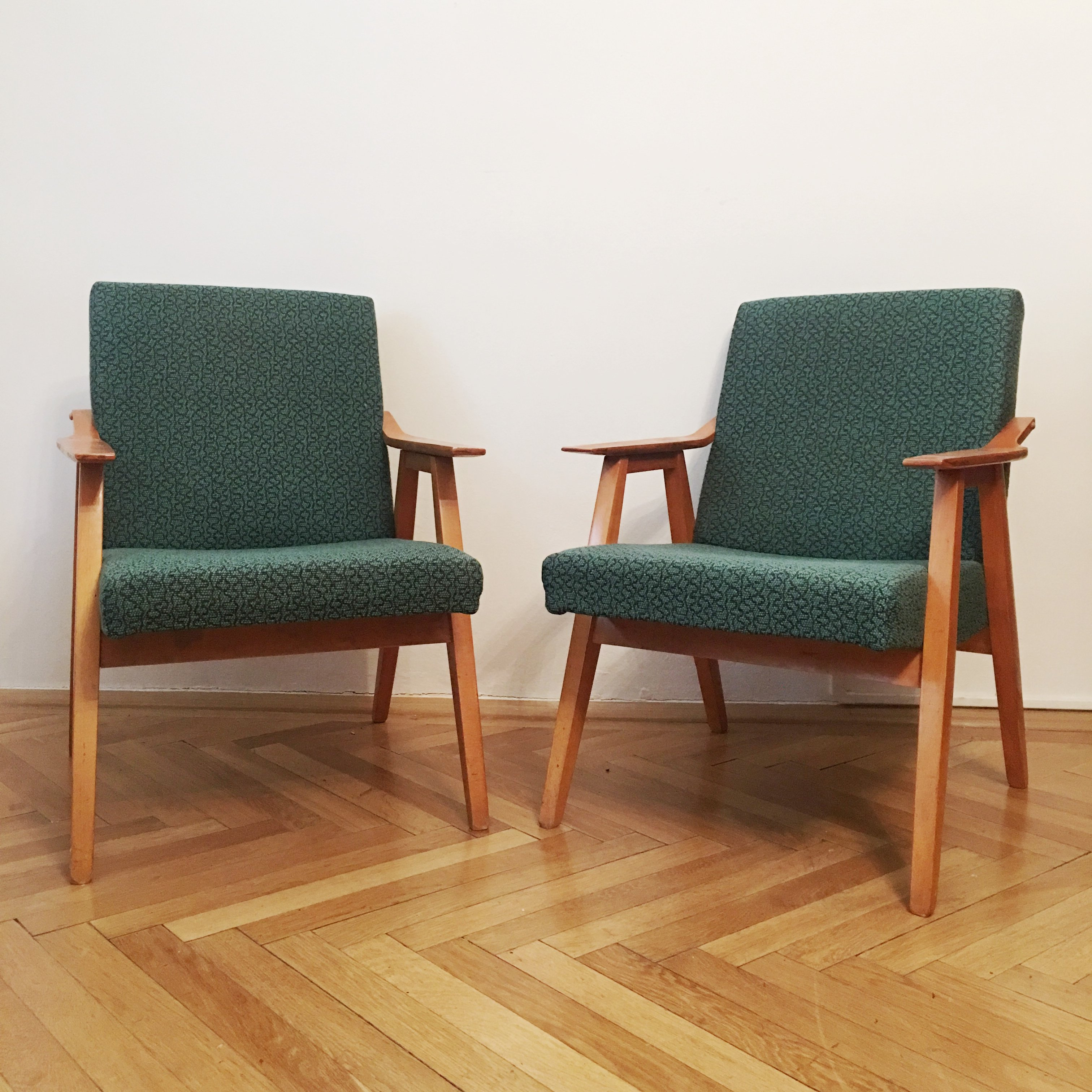 Pair Of Green Vintage Armchairs 1960s 94823