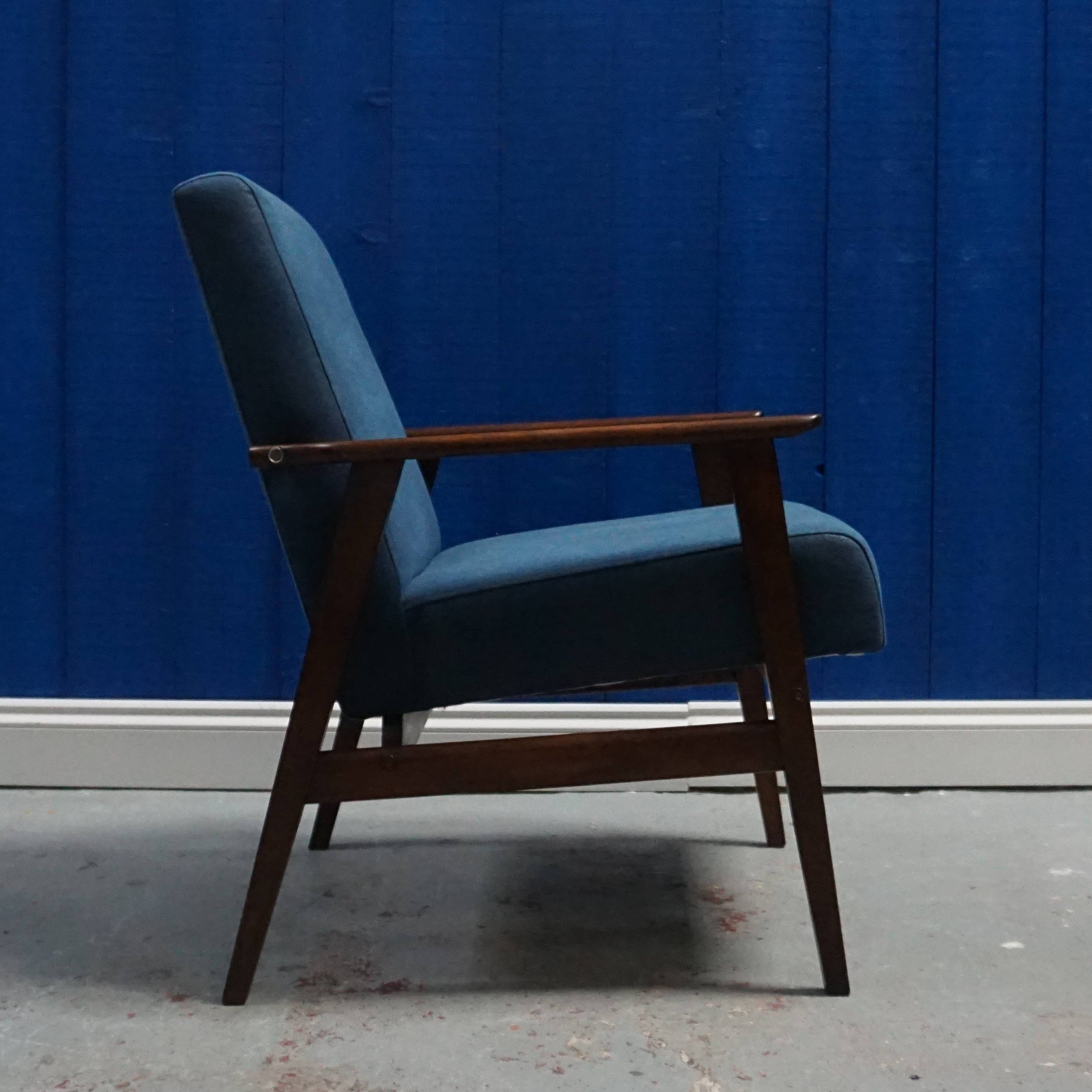 Picture of: Mid Century Modern Navy Blue Lounge Chair 1960 S 96350