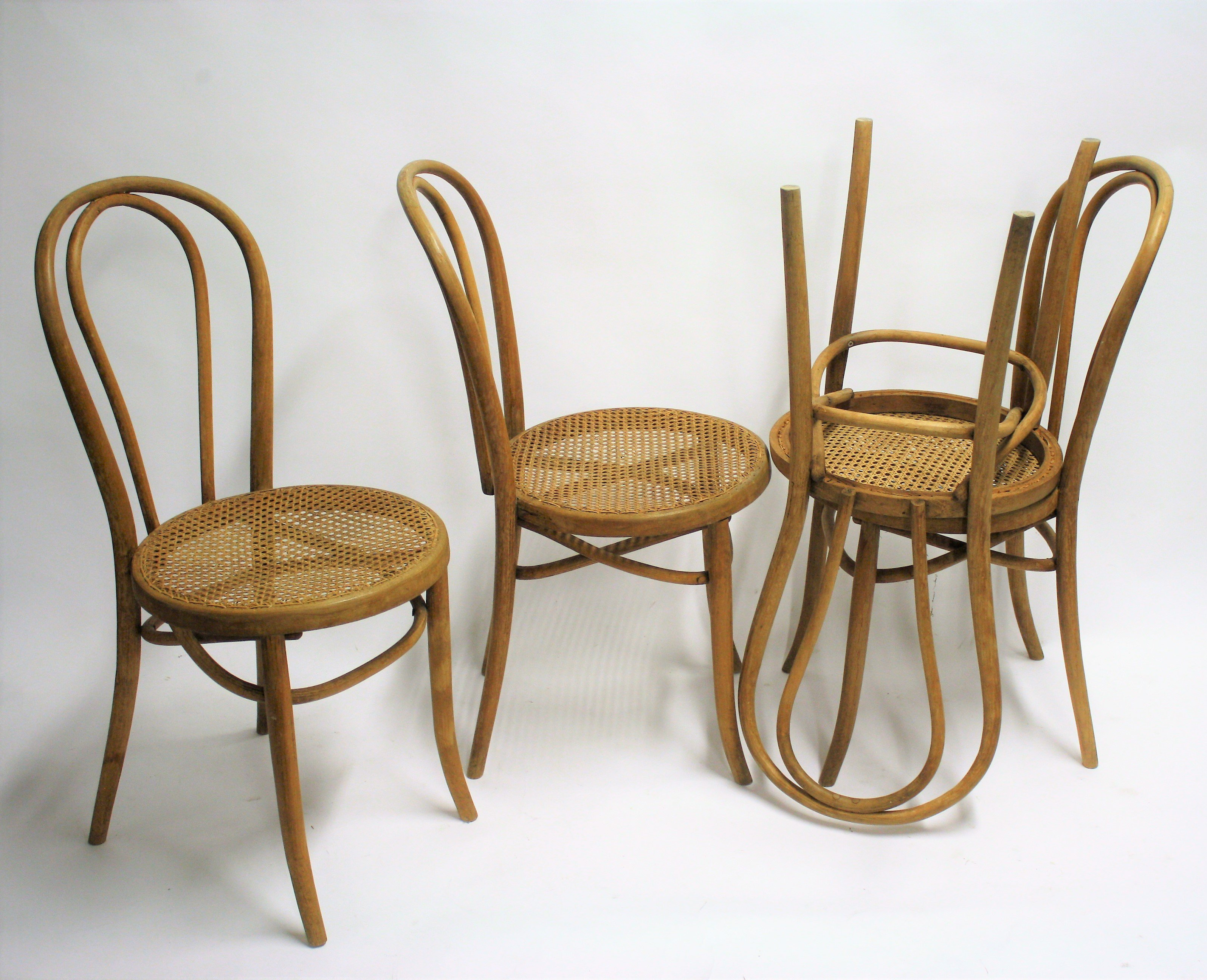 Set Of 4 Antique Thonet No 18 Dining Chairs 1920s 96401