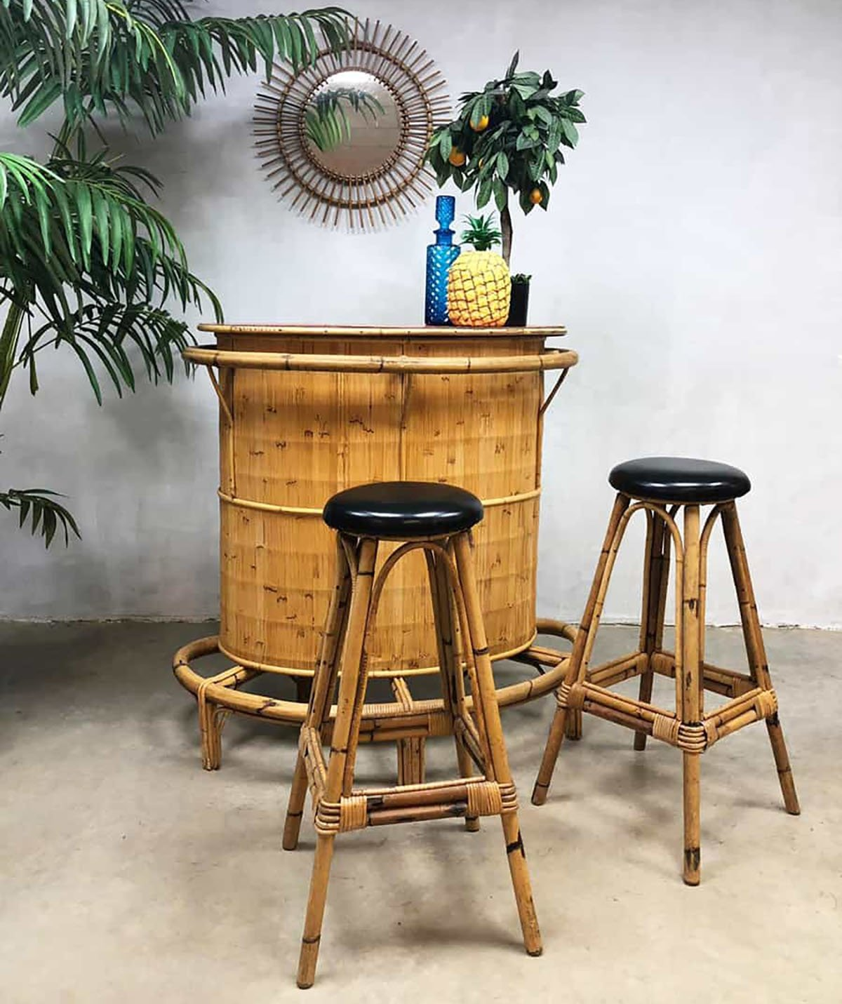 Magnificent Vintage Bamboo Rattan Tiki Bar With 2 Barstools 96428 Customarchery Wood Chair Design Ideas Customarcherynet