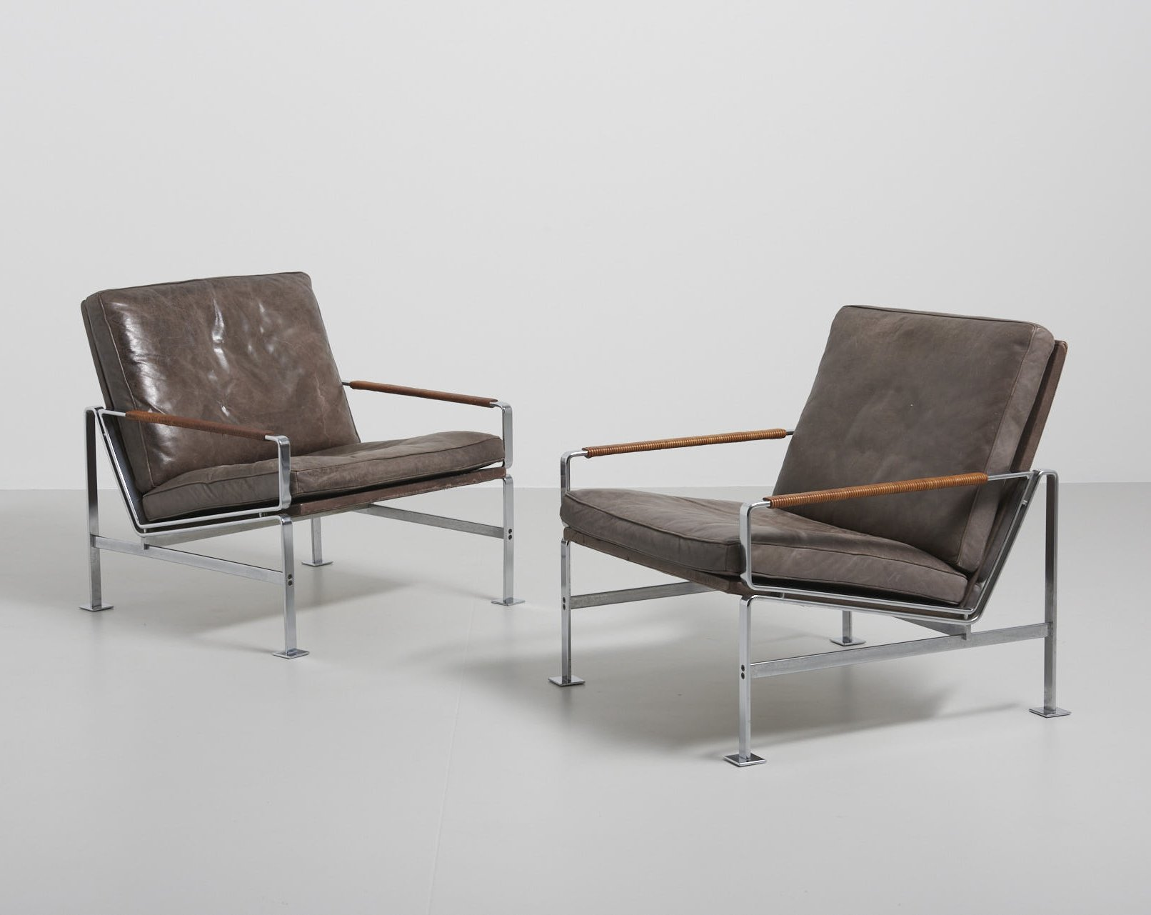 2cadcf080a45 High-end pair of  Model 6720  easy chairs by Preben Fabricius   Jørgen  Kastholm