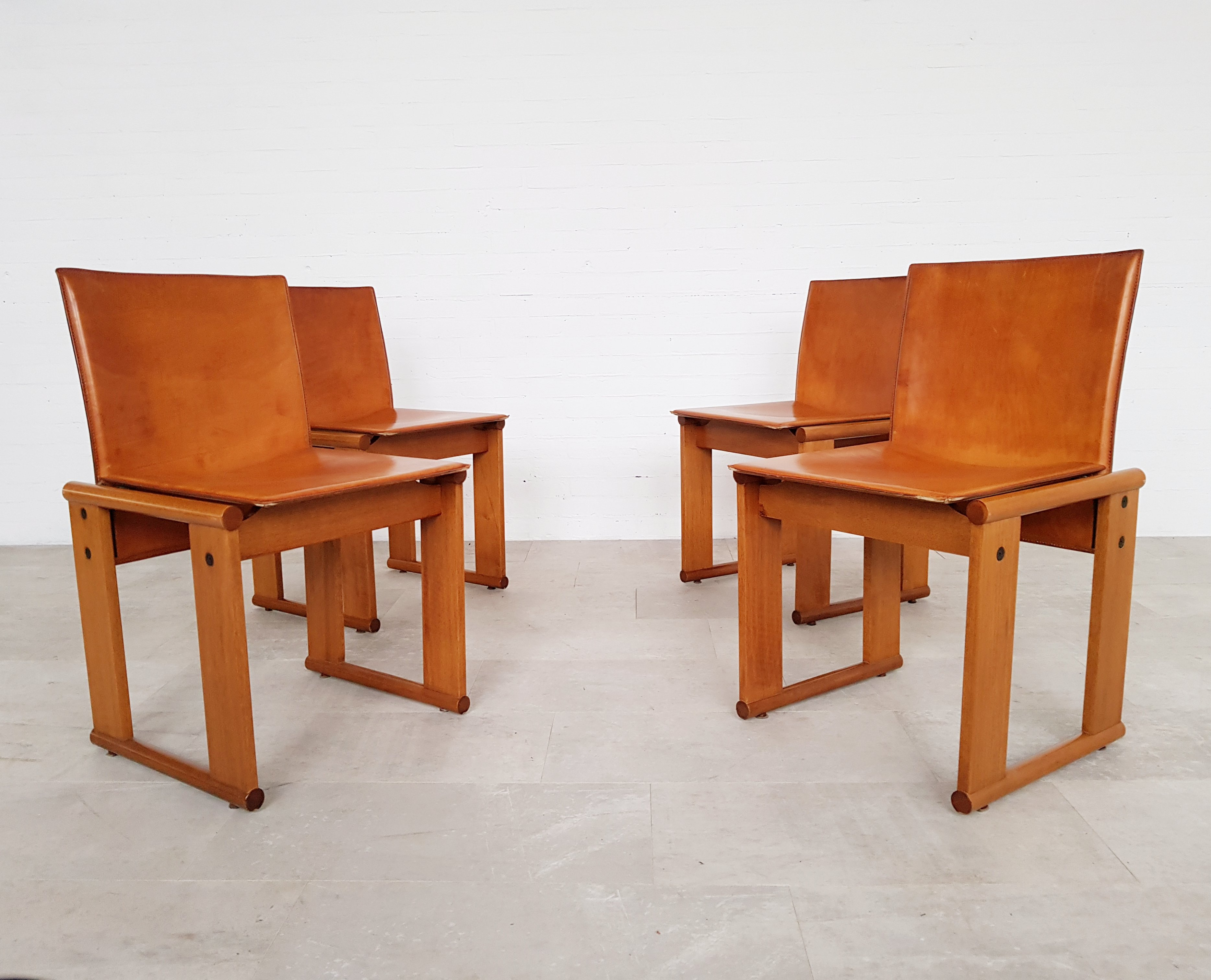 Set Of 4 Cognac Leather Dining Chairs By Afra Tobia Scarpa For Molteni 1970s 98459