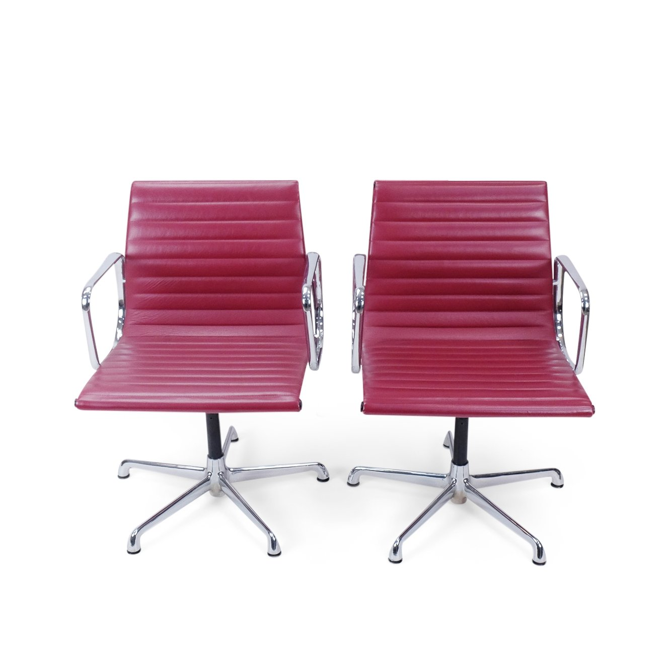 Set Of 2 Vintage Eames Aluminium Group EA 107 Office Chairs By ICF Italy
