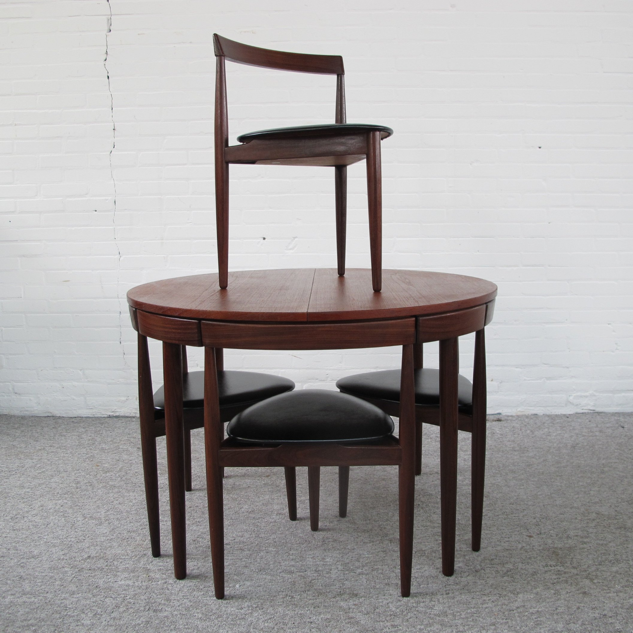 Roundette teak dining set by hans olsen for frem rojle 1960s