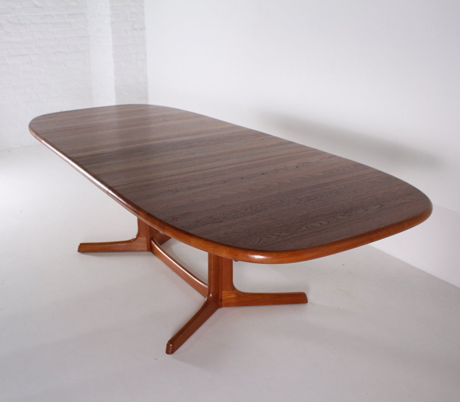 Large Danish Extensible Teak Dining Table By Dyrlund 100325