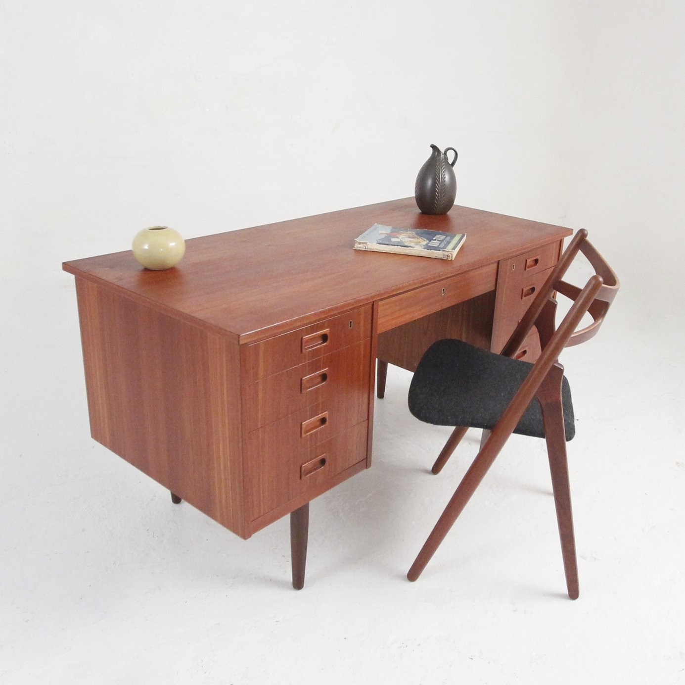 Danish Mid Century Teak Desk With 2 X 4 Drawers A Large Center
