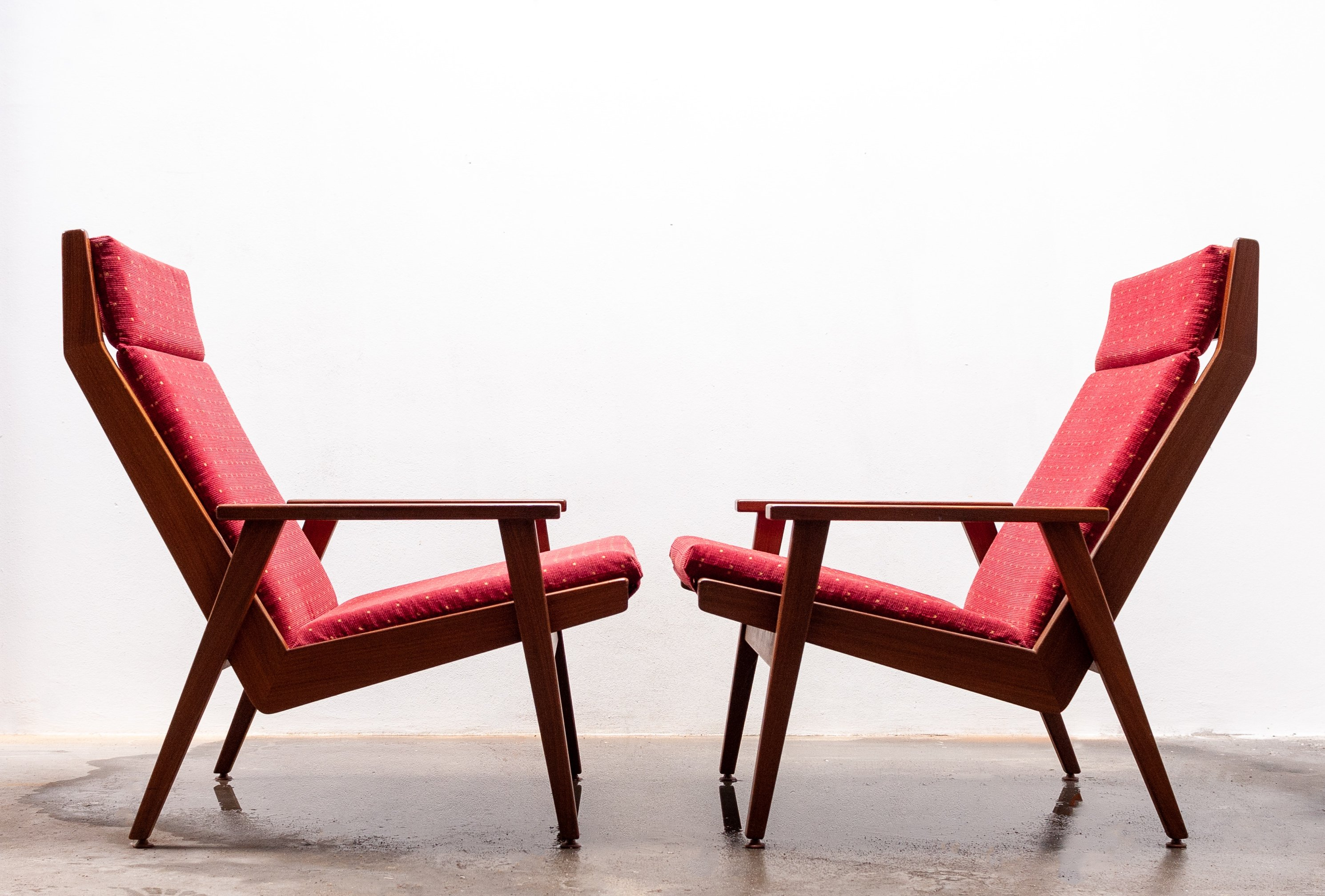 Fine Pair Of Lotus Lounge Chairs By Rob Parry For Gelderland 1950S Pdpeps Interior Chair Design Pdpepsorg