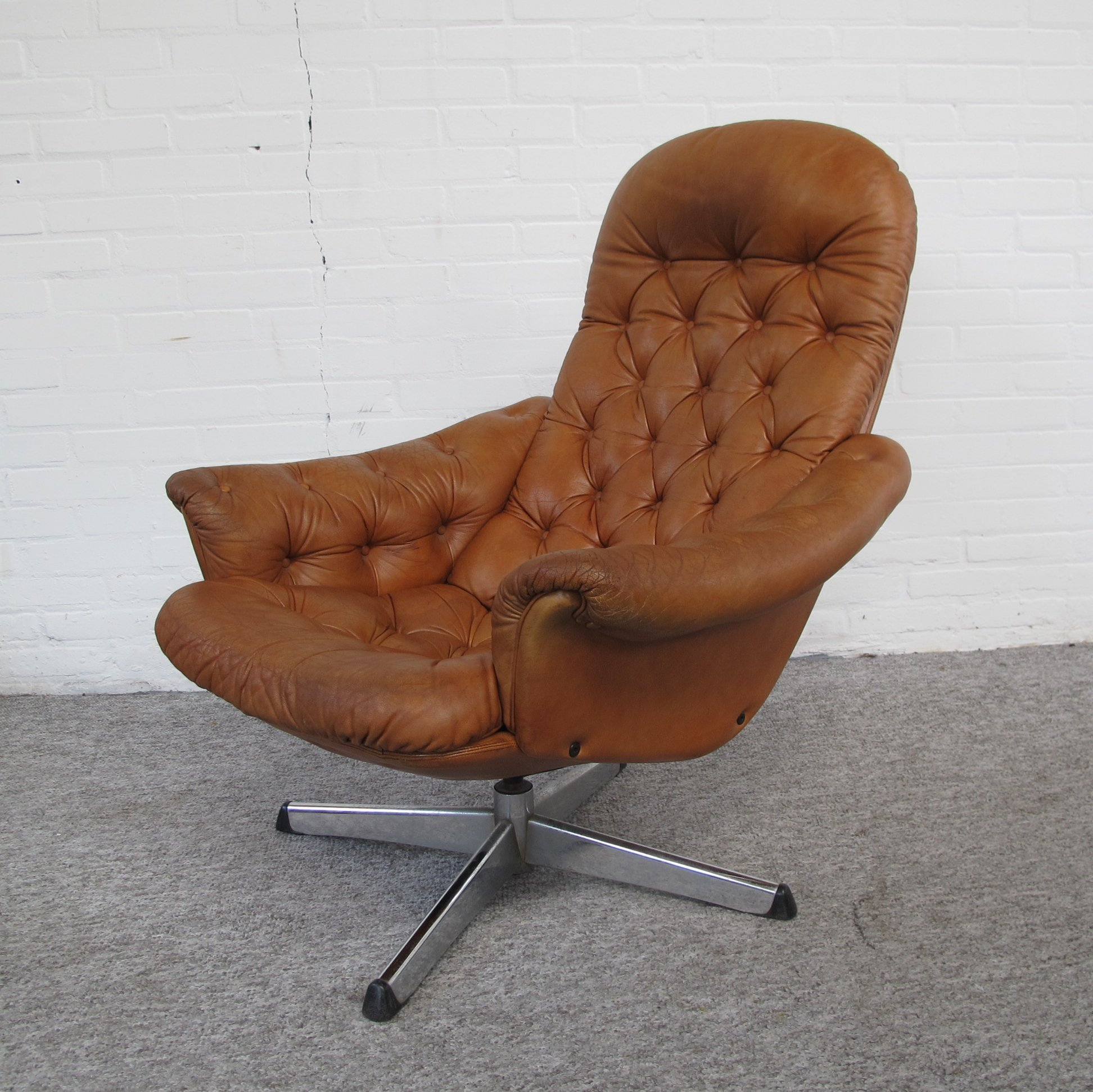 Peachy Scandinavian Swivel Leather Lounge Chair 1970S 107924 Gmtry Best Dining Table And Chair Ideas Images Gmtryco