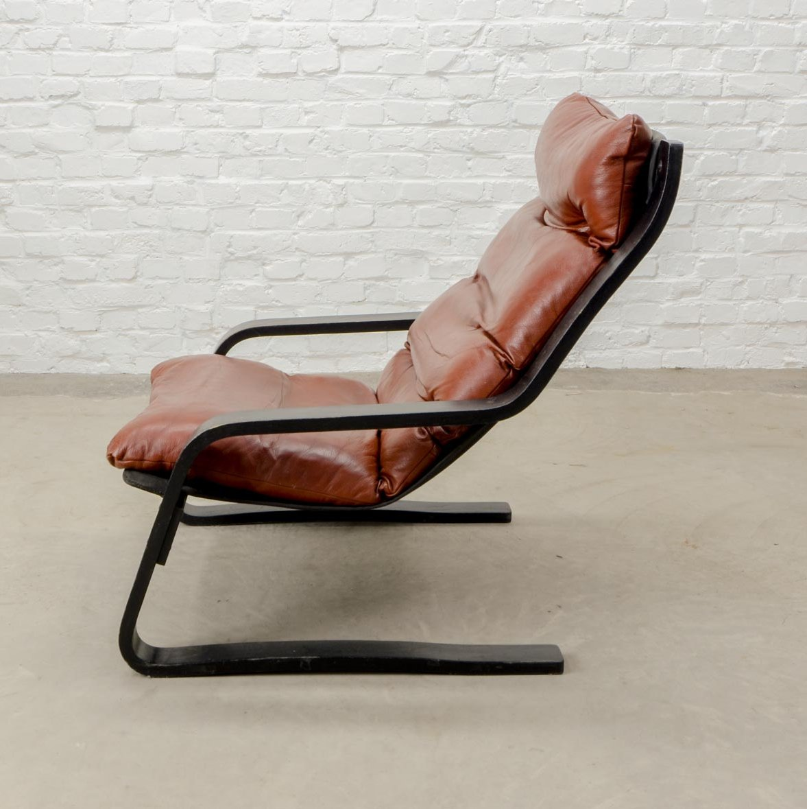 Mid Century Modern Design Bouncy Maroon Leather Lounge Chair 1960s