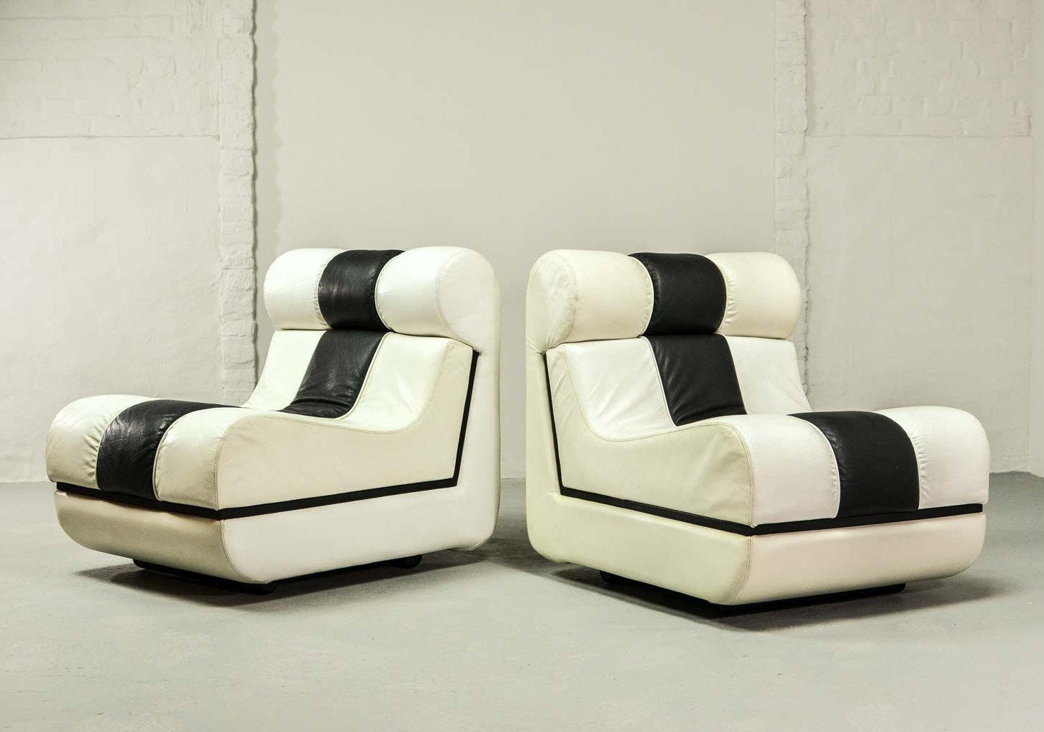 Terrific Mid Century Italian Design Black White Leather Lounge Chairs 1980S Pabps2019 Chair Design Images Pabps2019Com