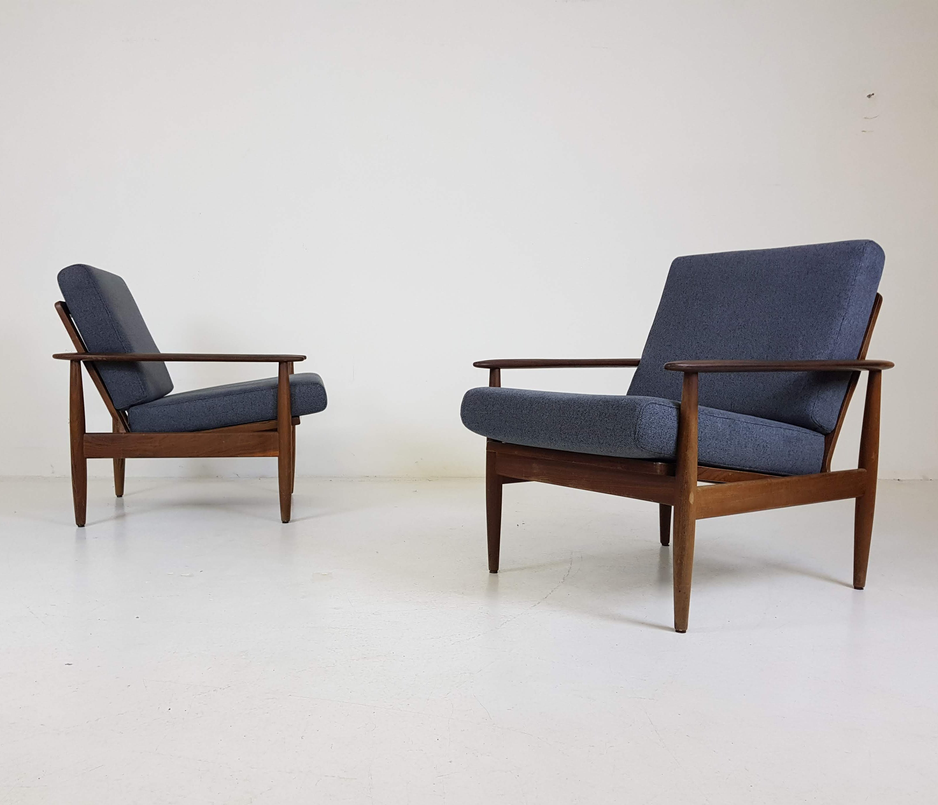 Pleasant Set Of 2 Scandinavian Modern Lounge Chairs 1960S Gmtry Best Dining Table And Chair Ideas Images Gmtryco
