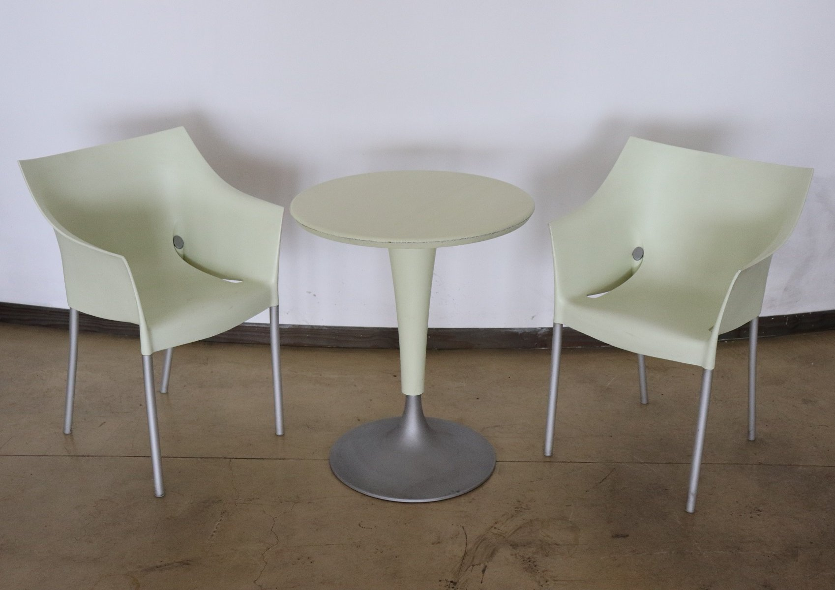 Living Room Bedroom Combo Ideas, Dr No Table Chairs Set By Philippe Starck For Kartell 1990s 111814