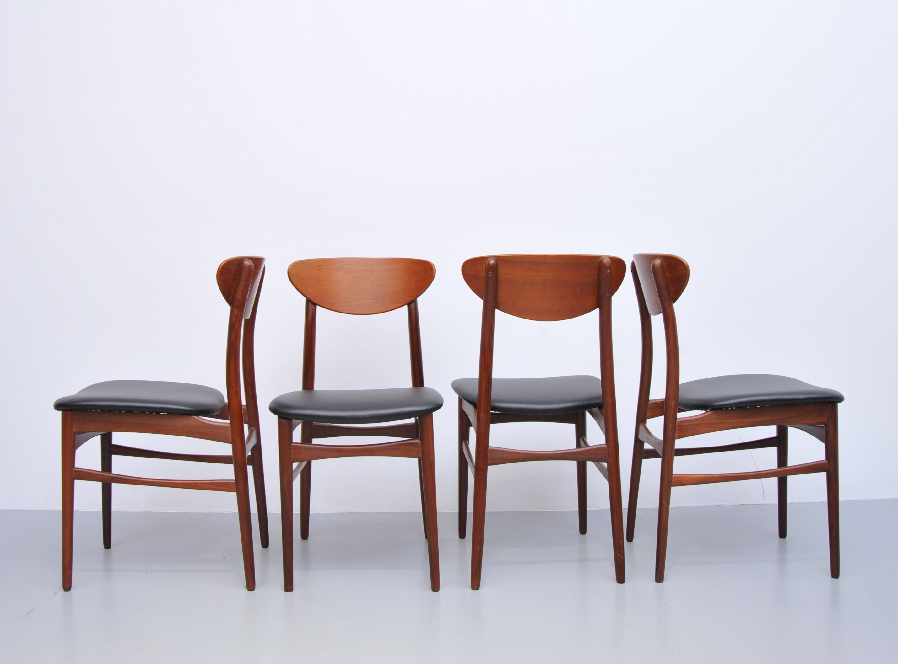 Set Of 4 Vintage Dining Chairs 1960s