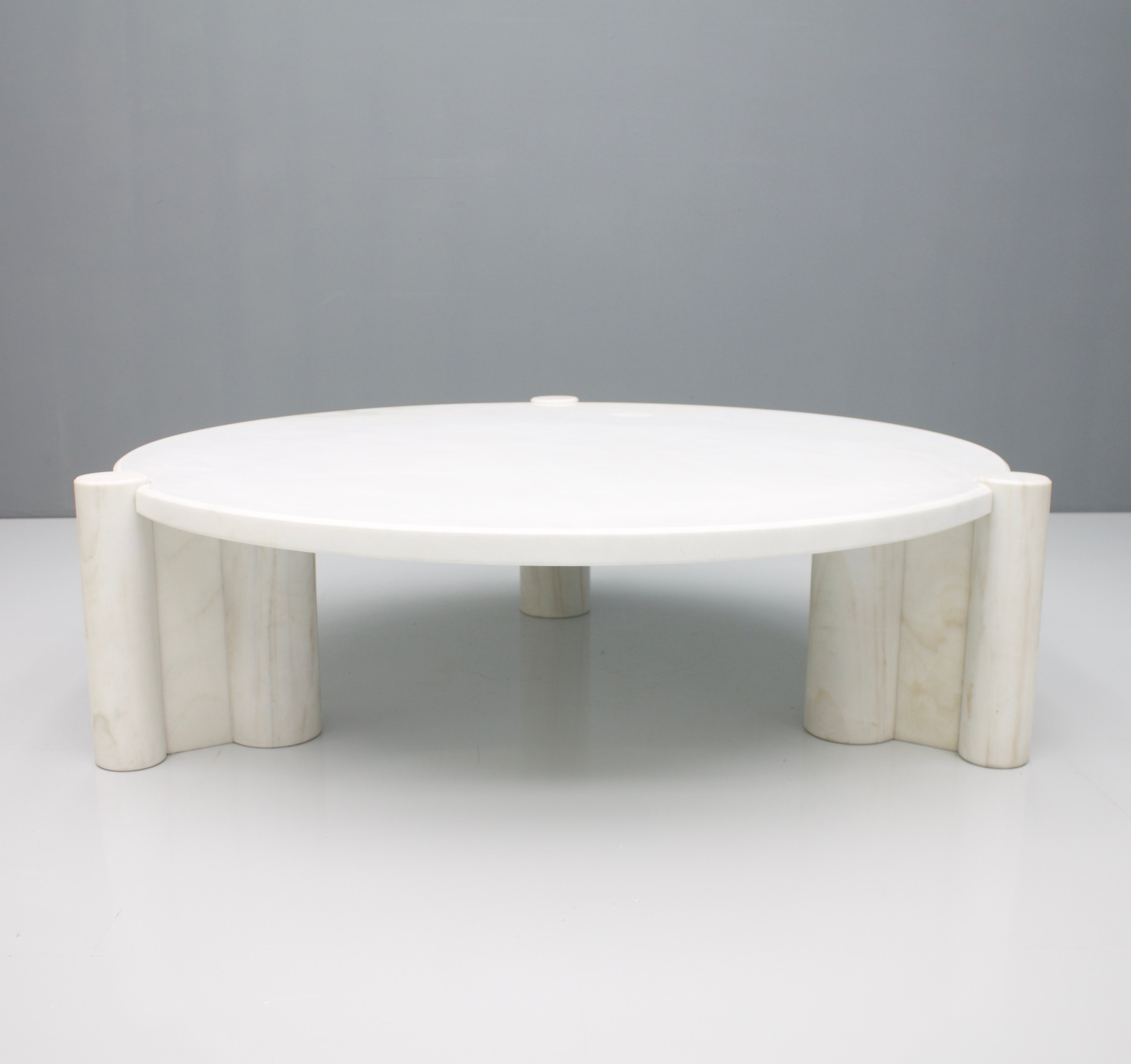 Very Rare Round Jumbo Coffee Table By Gae Aulenti For Knoll 1964