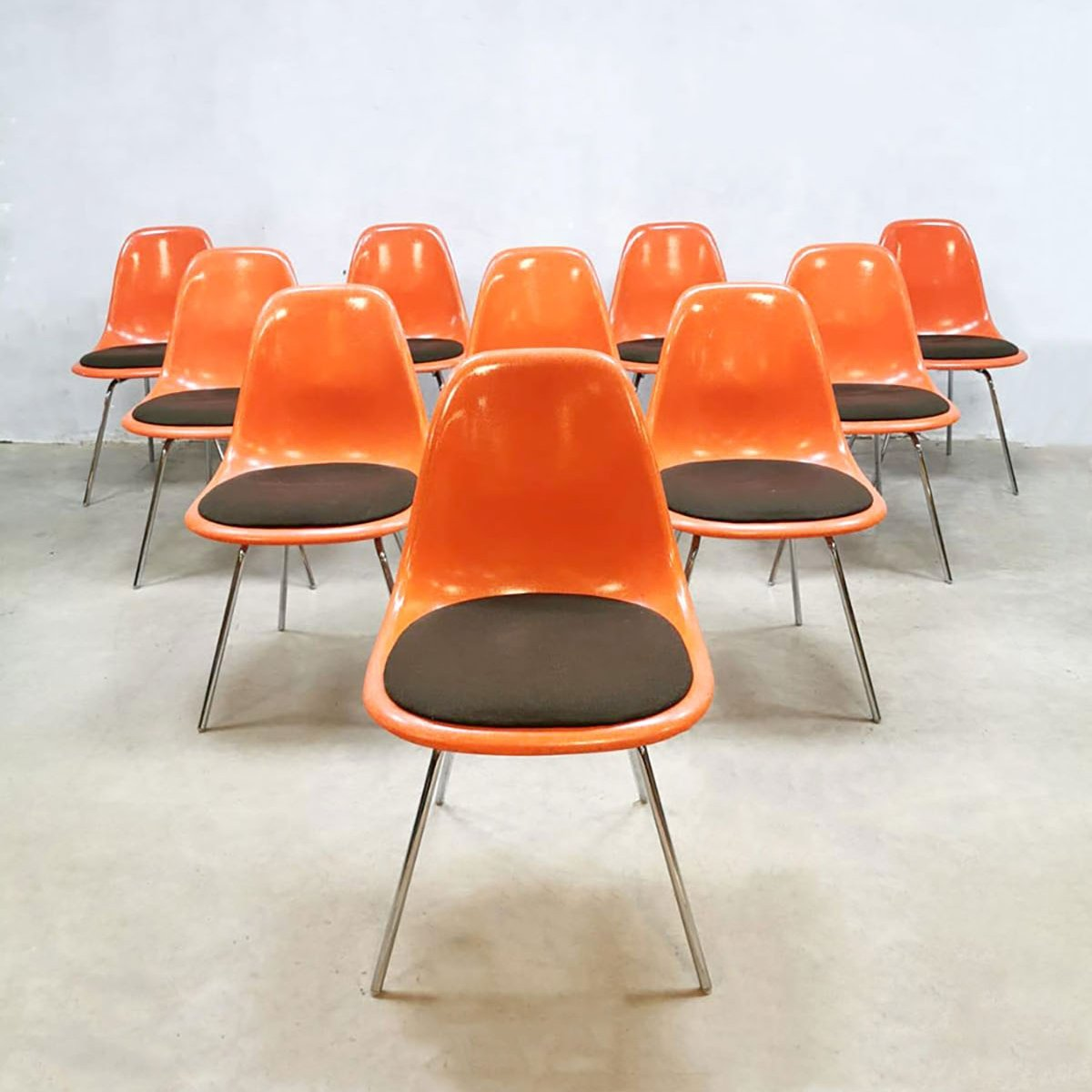 Set Of 10 Vintage Dsx Dining Chairs By Charles Ray Eames For Herman Miller