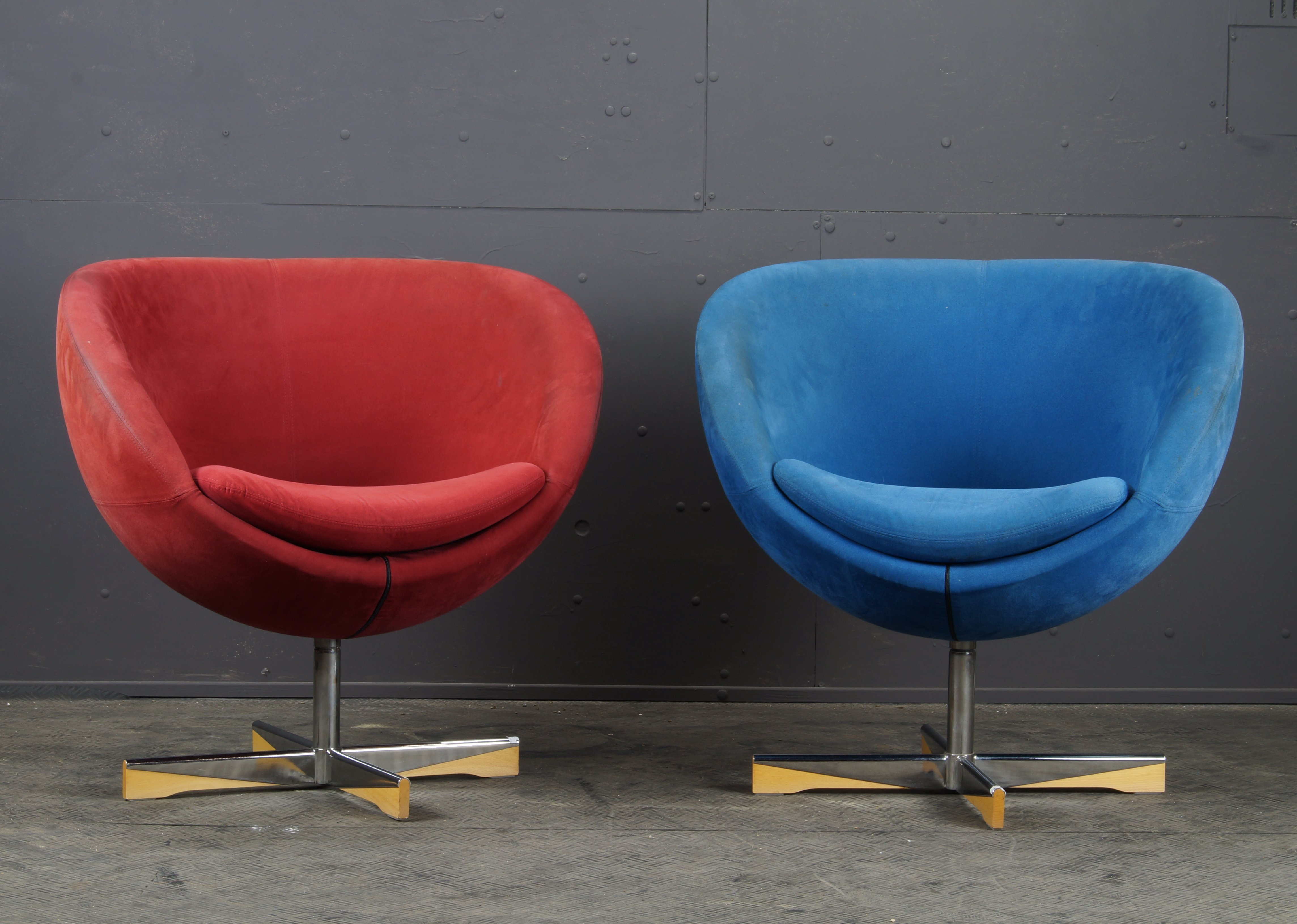 Outstanding Pair Of Suede Planet Armchairs By Sven Ivar Dysthe For Stokke Varier Ibusinesslaw Wood Chair Design Ideas Ibusinesslaworg