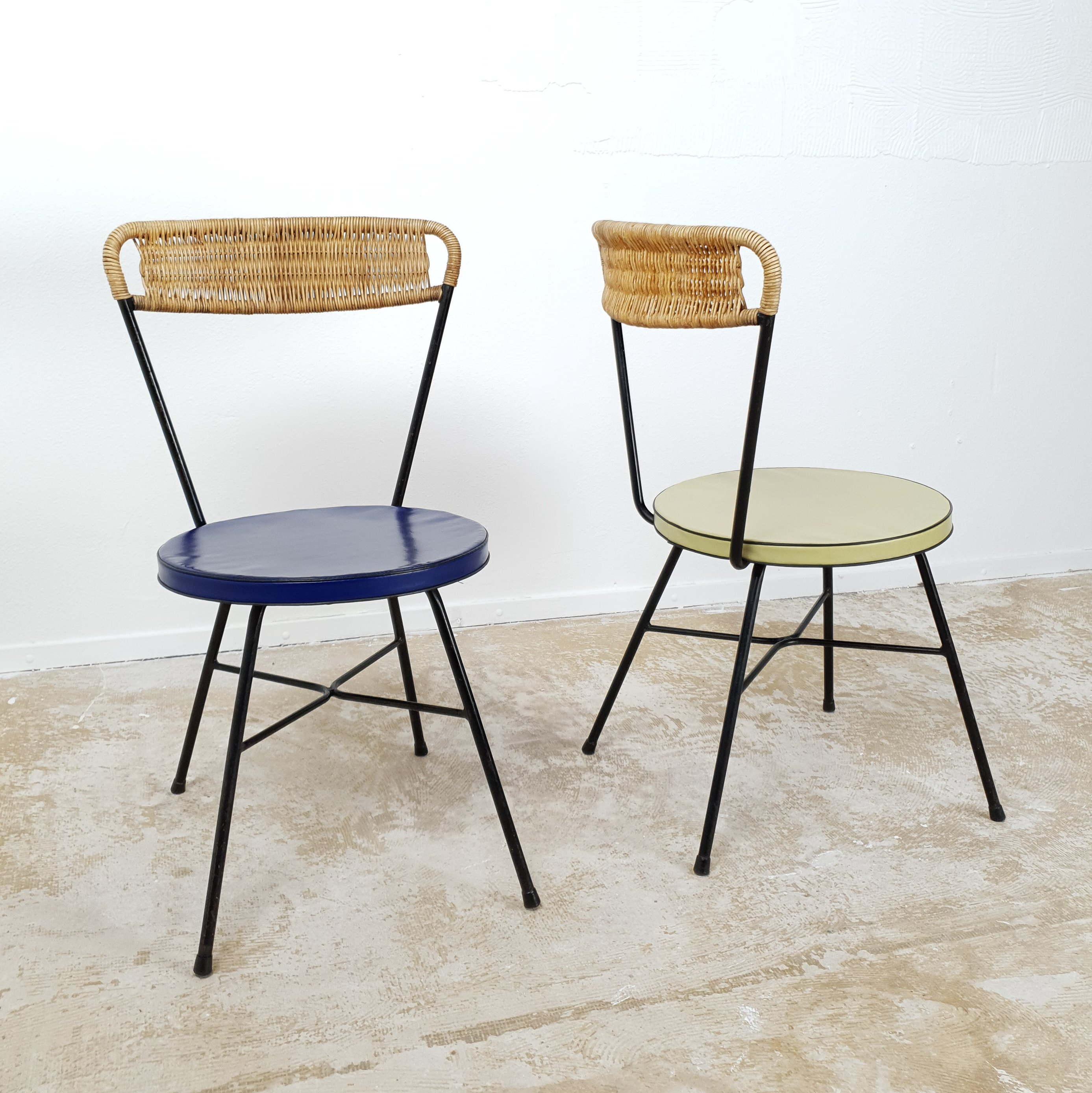 Picture of: Pair Of French Dining Or Side Chairs With Rattan Back Rest 1950s 115008