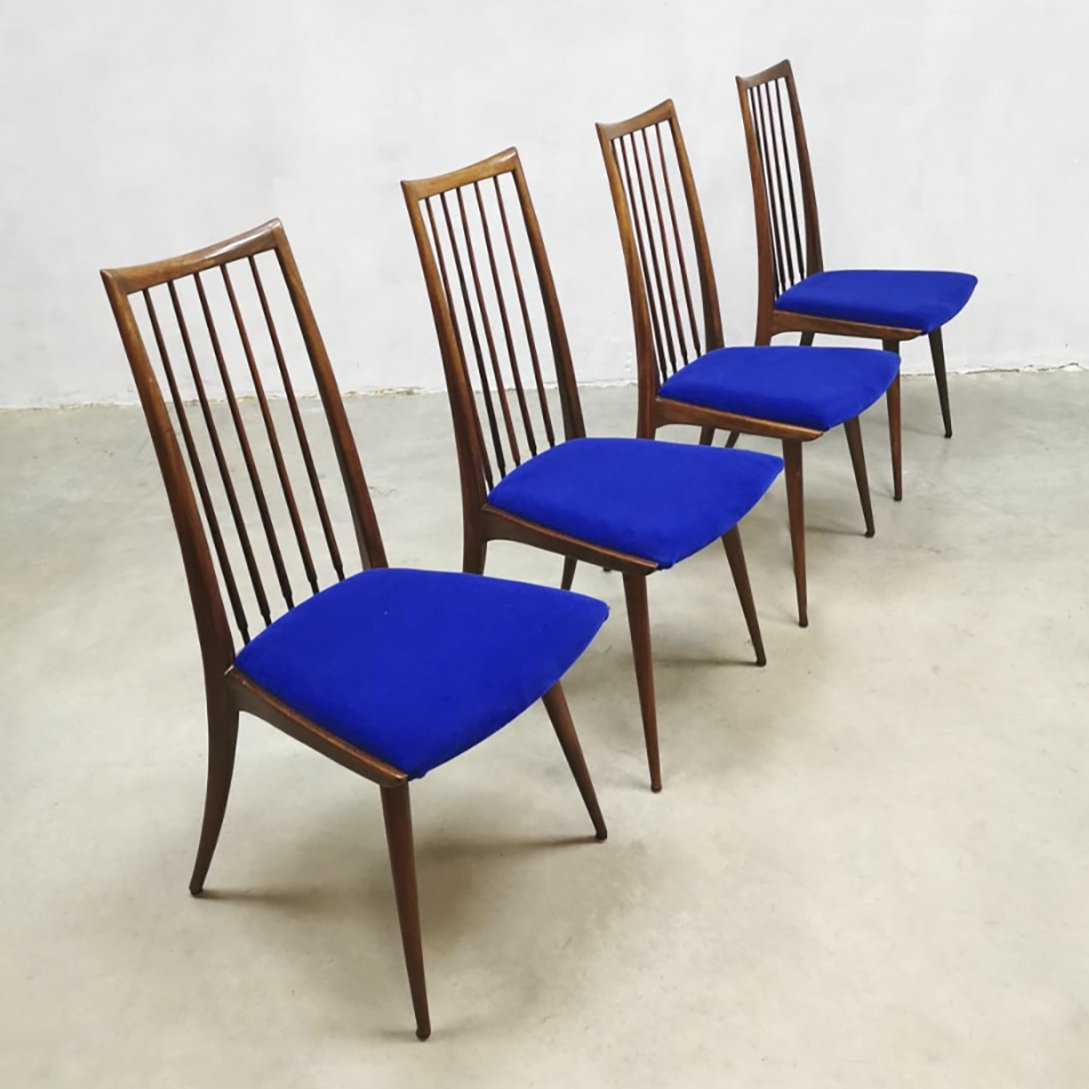 Picture of: Set Of 4 Vintage Danish Spindle Back Dining Chairs 115312
