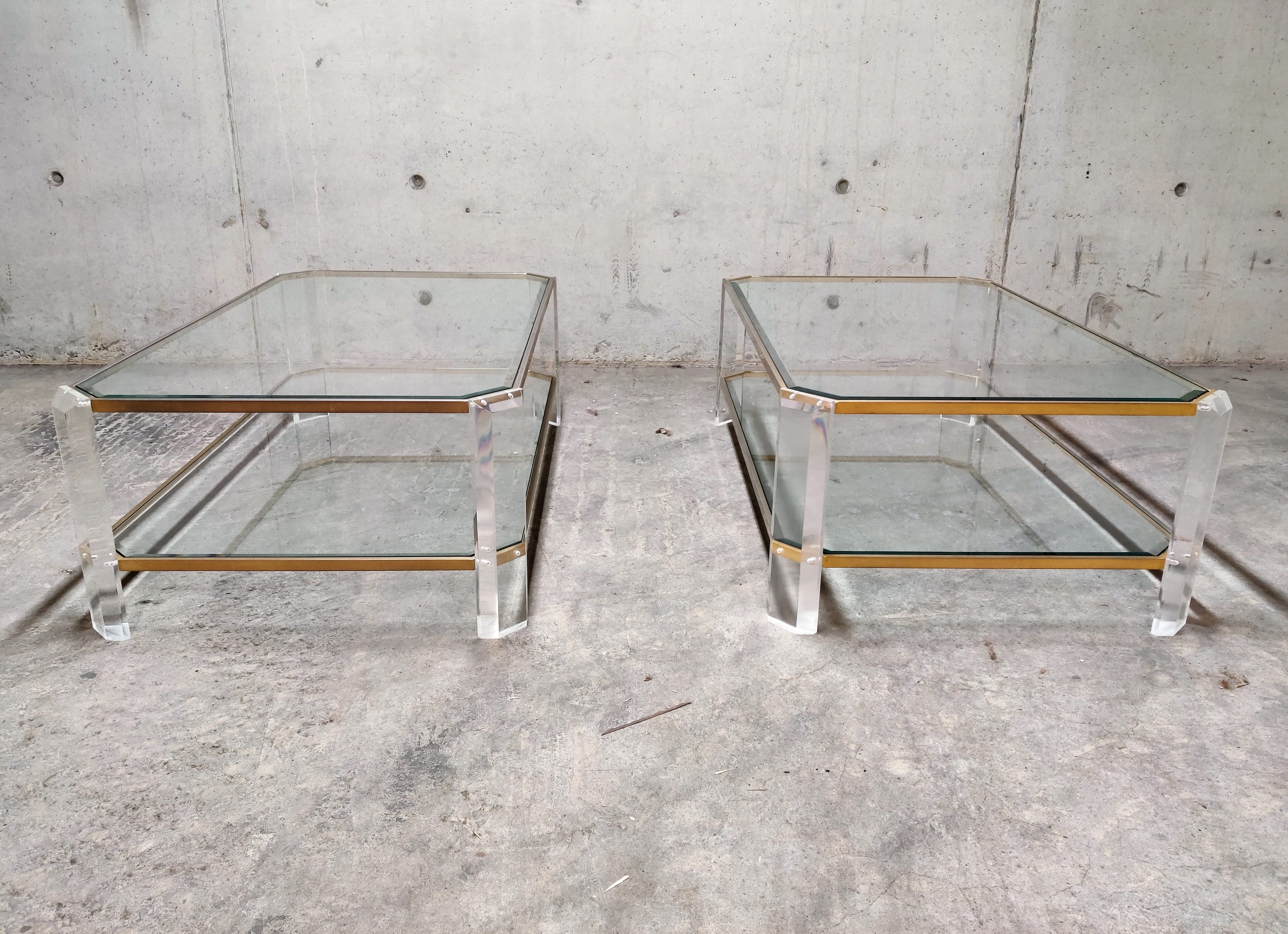 - Lucite & Brass Coffee Table, 1970s #115341