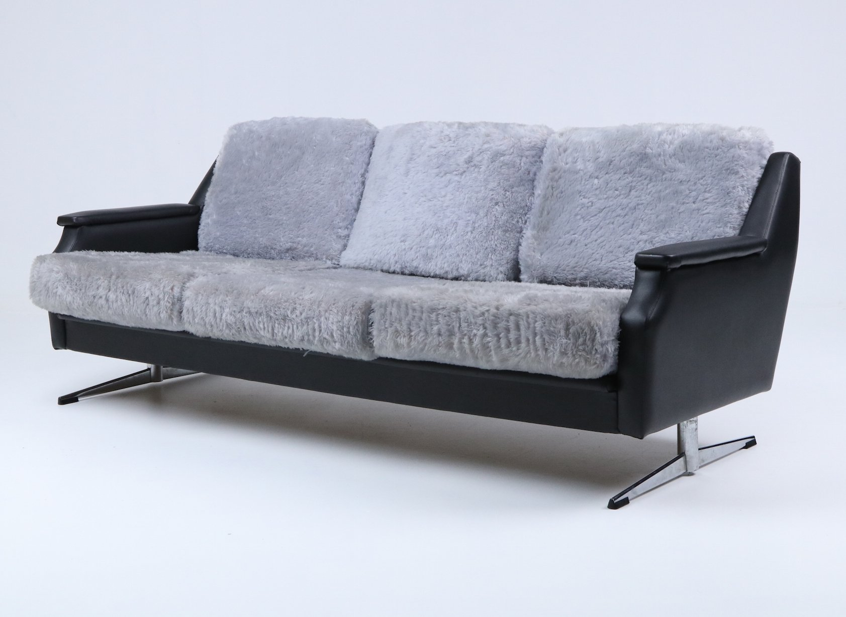 Plush Sofa From 1960 S 116477