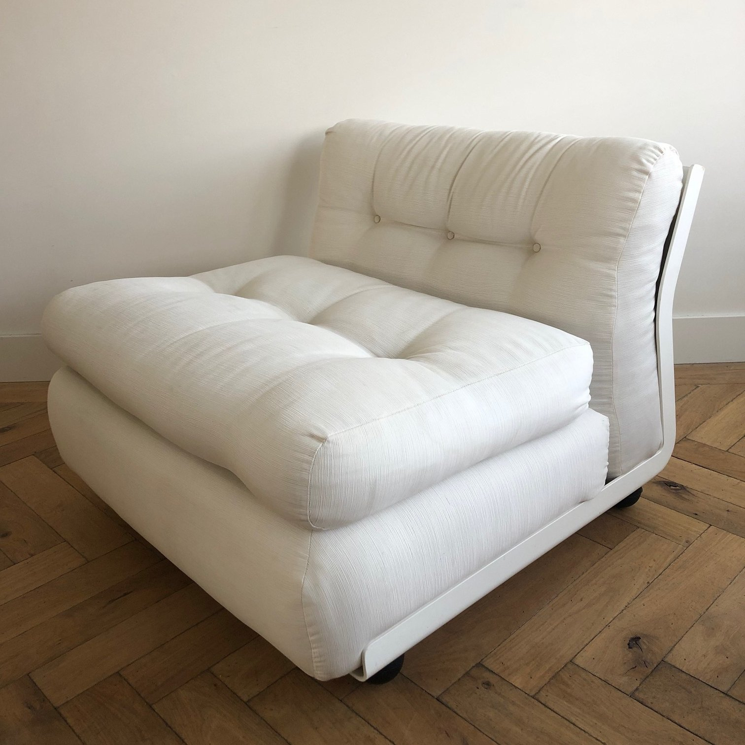 Vintage Amanta Sofa Seating Group