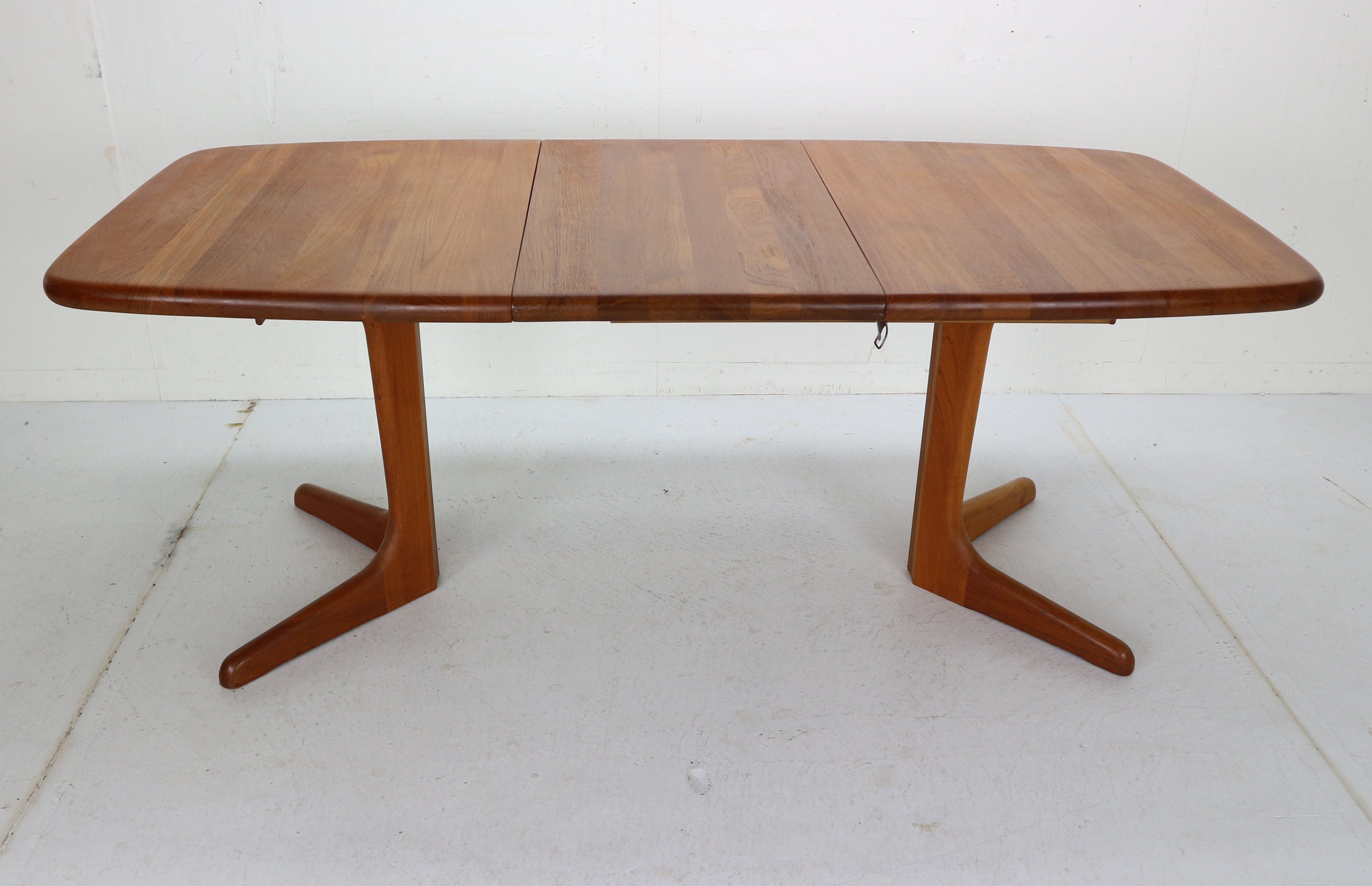 Solid Teak Oval Extendable Dining Table