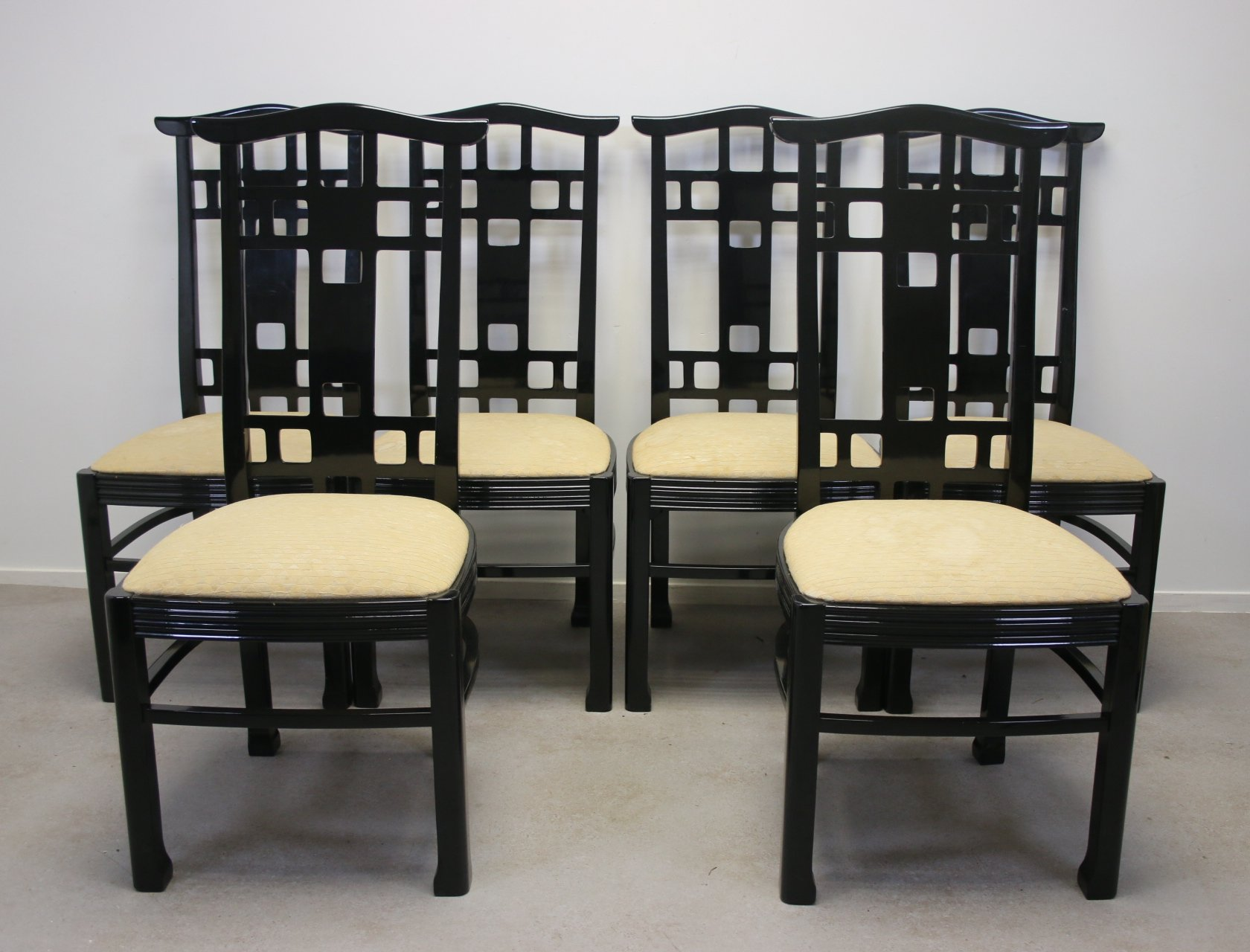 Picture of: Set Of 6 Black Lacquered Japanese Style Dining Room Chairs 1970s 123634