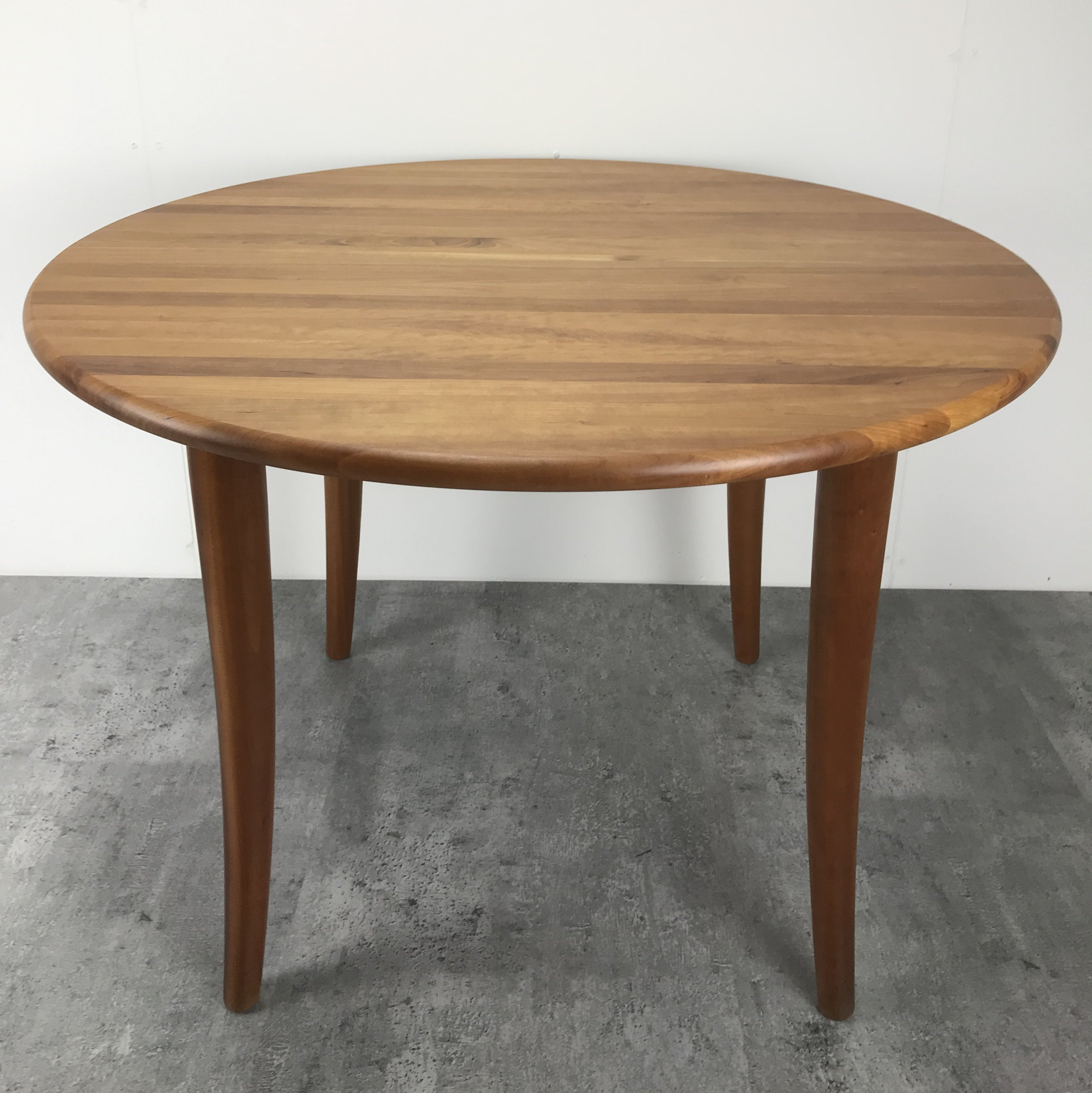 Round Teak Danish Dining Table With 4 Tapered Legs 126525