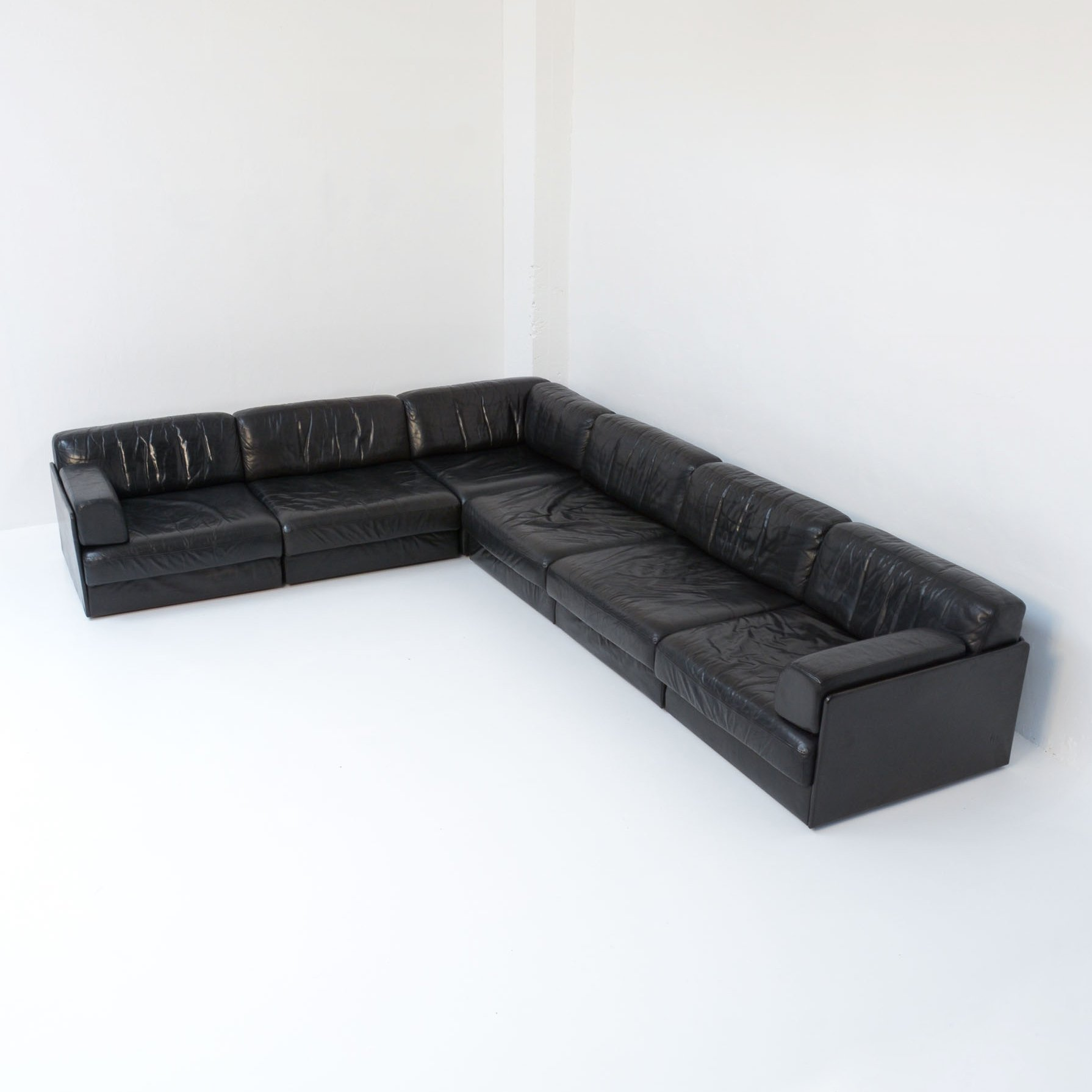 De Sede Black Leather Modular Sofa Set
