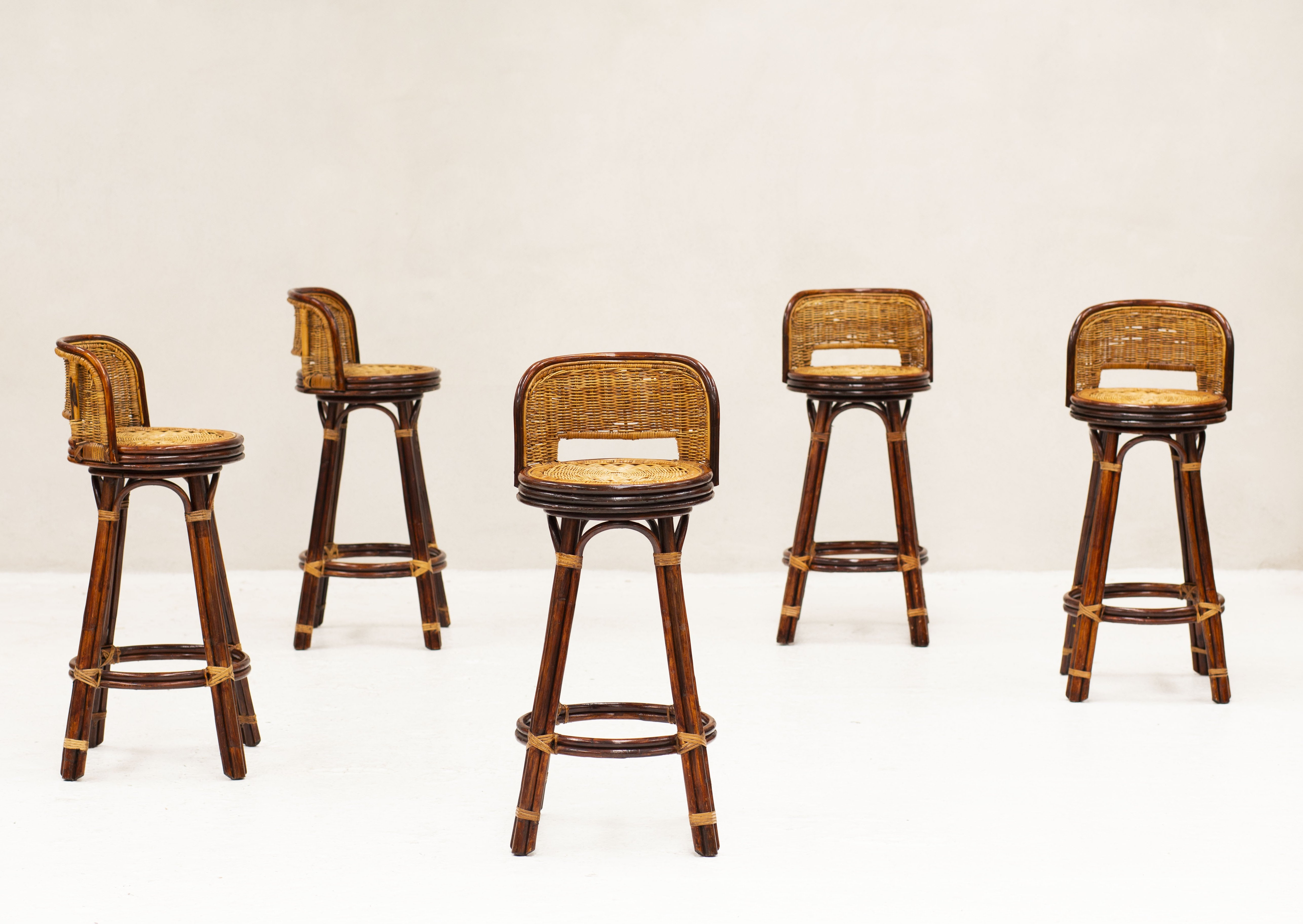 Picture of: Set Of 5 Swivel Bar Stools In Bamboo Rattan 1970s 131049