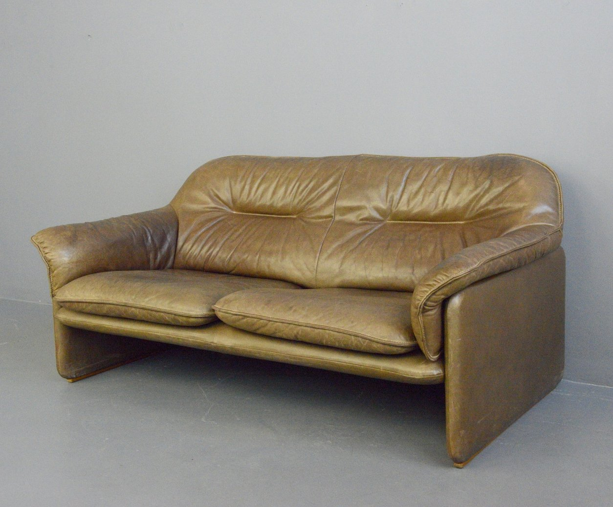Picture of: Mid Century Leather Sofa By De Sede Circa 1960s 137089