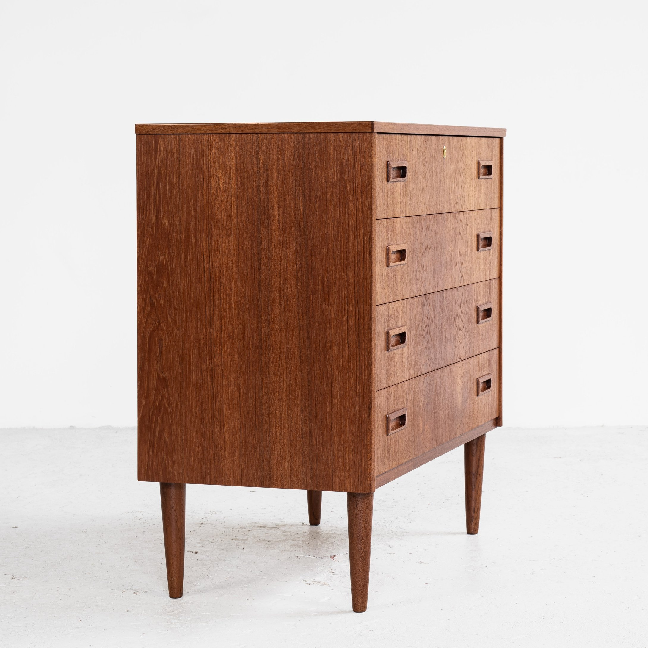 Image of: Midcentury Danish Chest Of 4 Drawers In Teak With 2 Drawer Handles 1960s 137933