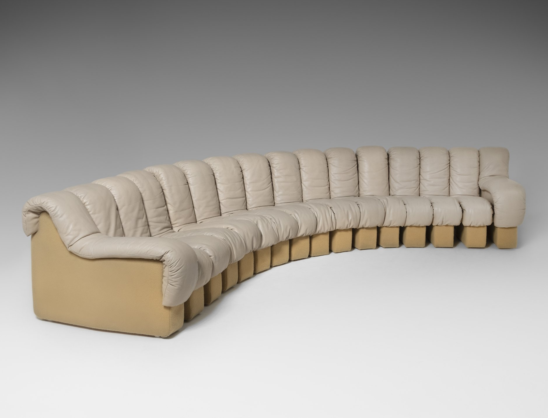 Picture of: De Sede Ds 600 Non Stop Sectional Sofa In Beige Leather 139142