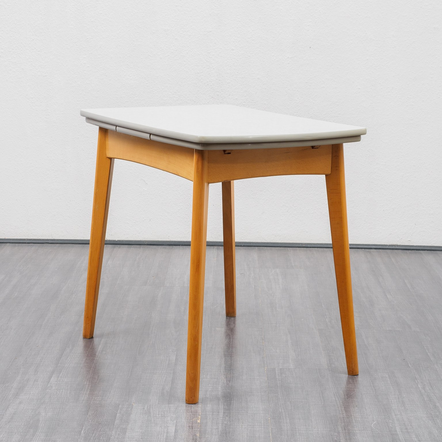 Image of: Small Vintage Extendable Kitchen Table 1950s 143337