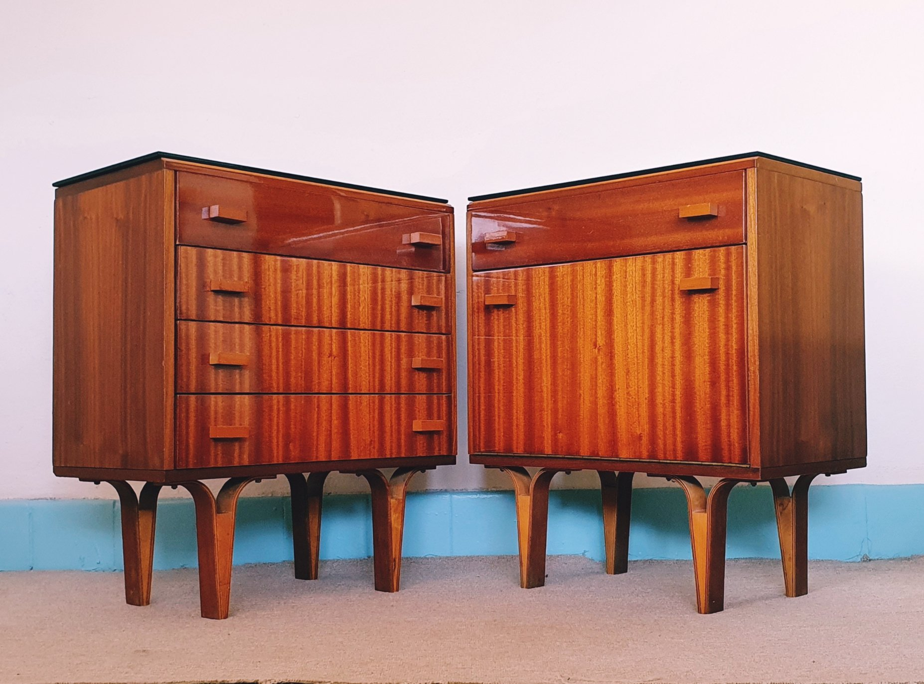 Picture of: Pair Of Vintage Mid Century Bedside Cabinets 1960s 143735
