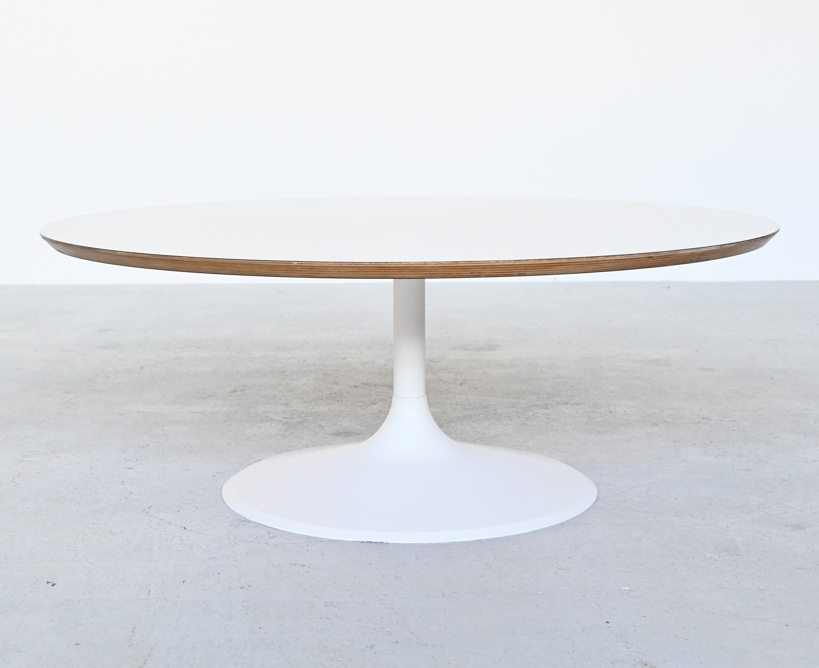 Picture of: Pierre Paulin By Artifort Model Circle Coffee Table Netherlands 1960 144211