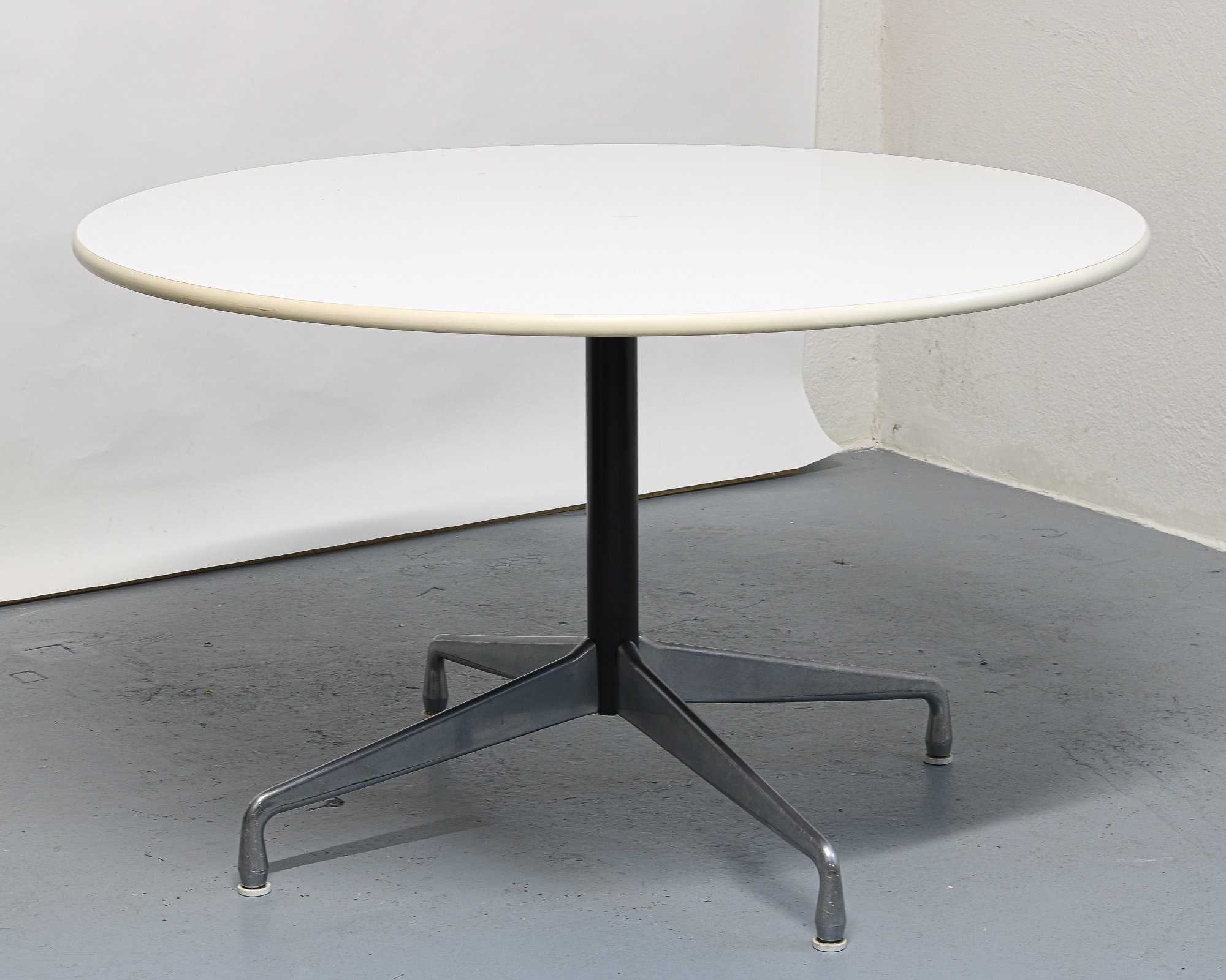 Dining Table By Charles Ray Eames For, Herman Miller Dining Room Set