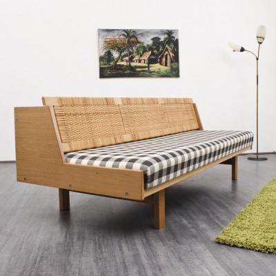 GE 258 Wicker Back Daybed by Hans Wegner for Getama
