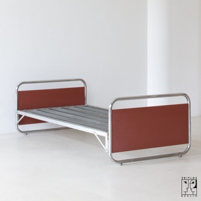 L5 Daybed by Unknown Designer for Thonet Mundus
