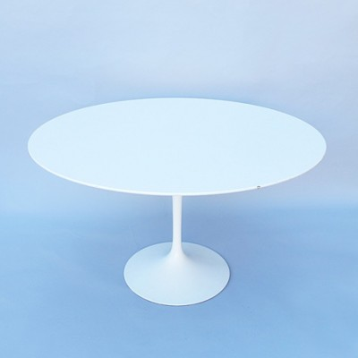 120cm Tulip dining table from the sixties by Eero Saarinen for Knoll