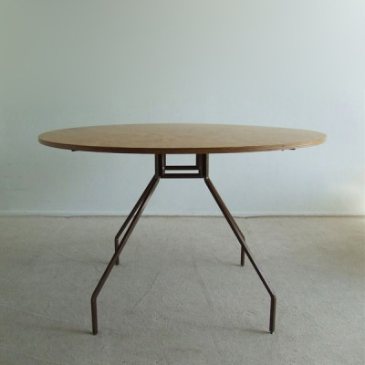 X & Y dining table by Paolo Rizzatto for Danese